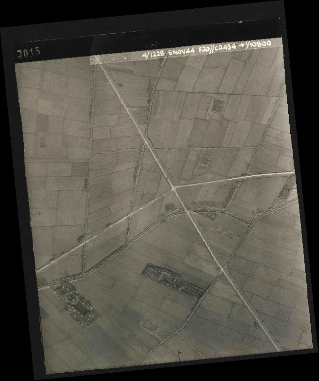 Collection RAF aerial photos 1940-1945 - flight 005, run 01, photo 3015