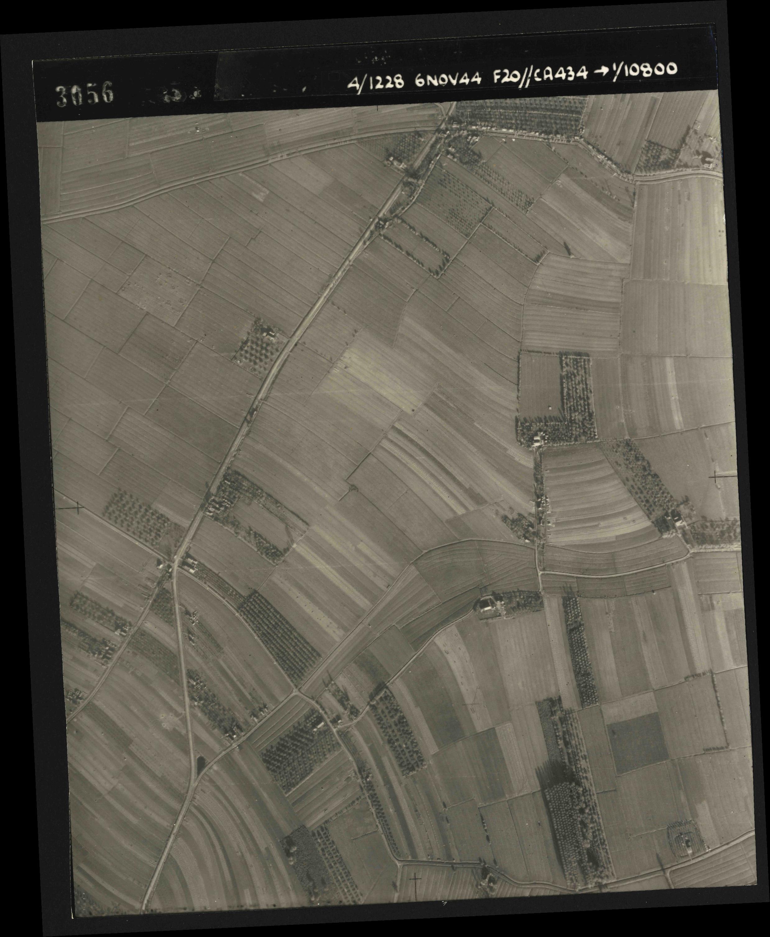 Collection RAF aerial photos 1940-1945 - flight 005, run 02, photo 3056