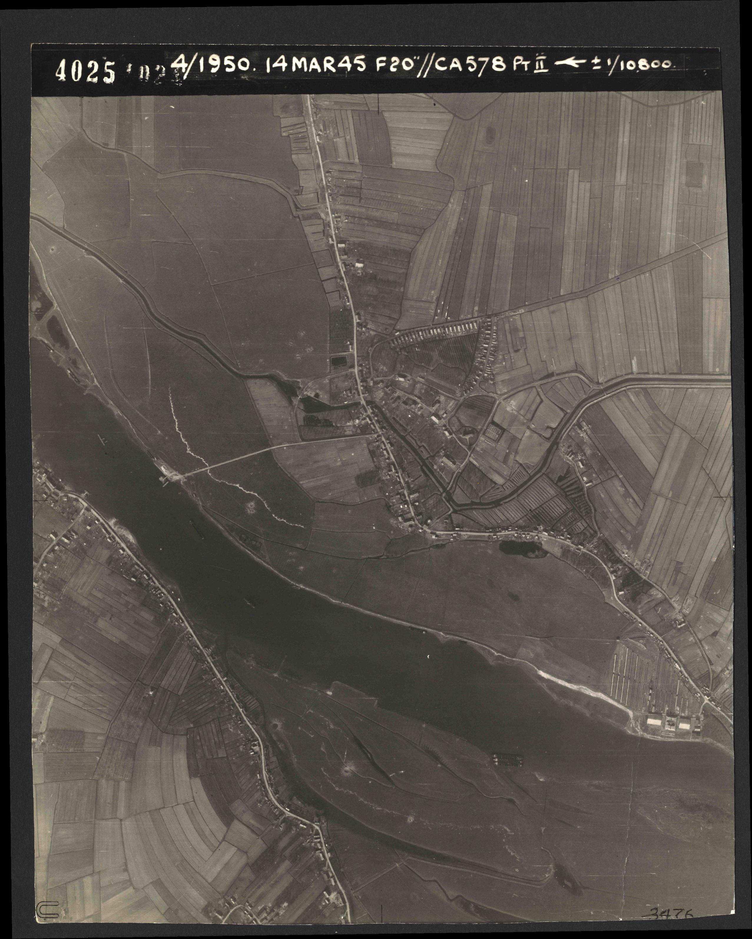 Collection RAF aerial photos 1940-1945 - flight 010, run 02, photo 4025