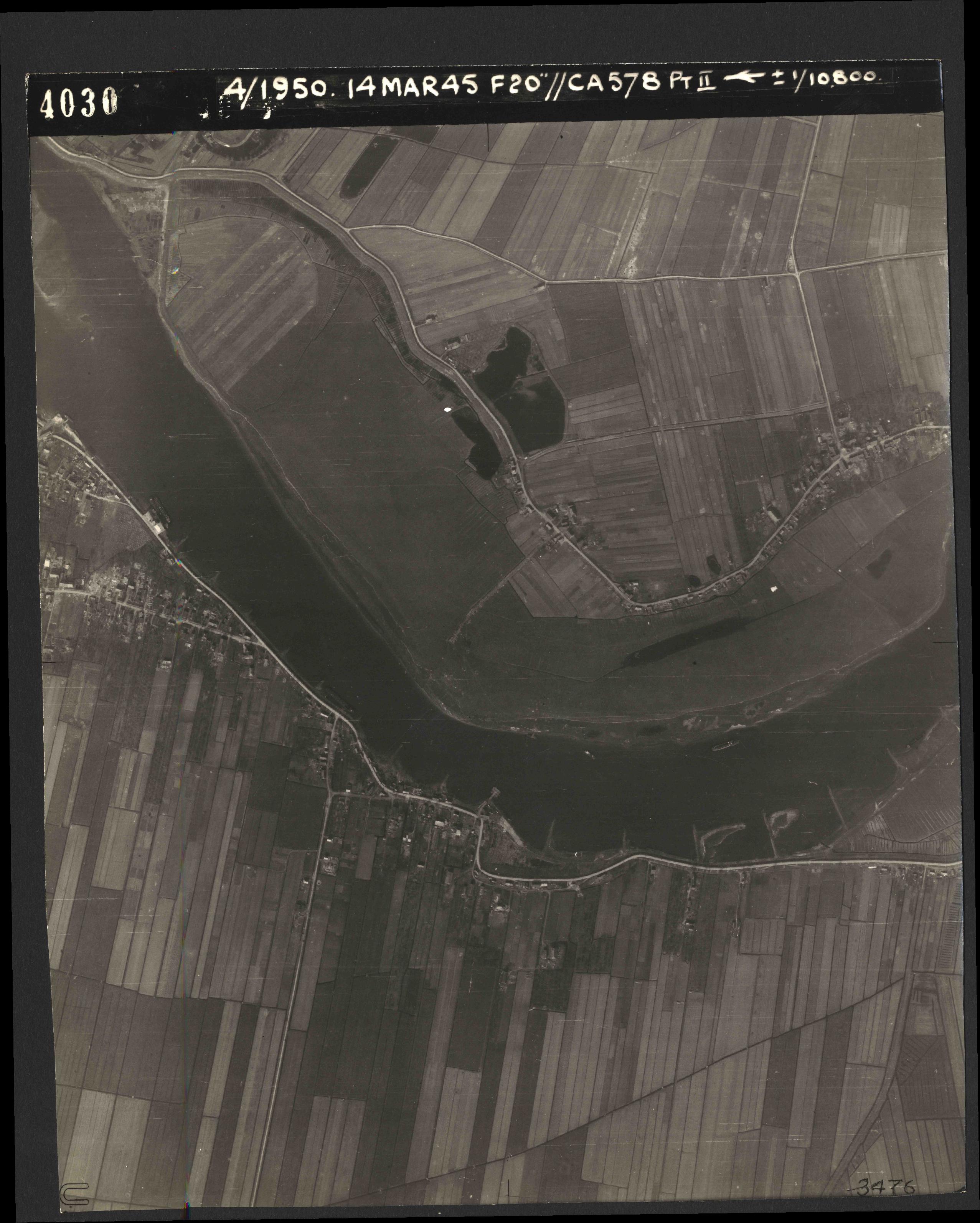 Collection RAF aerial photos 1940-1945 - flight 010, run 02, photo 4030