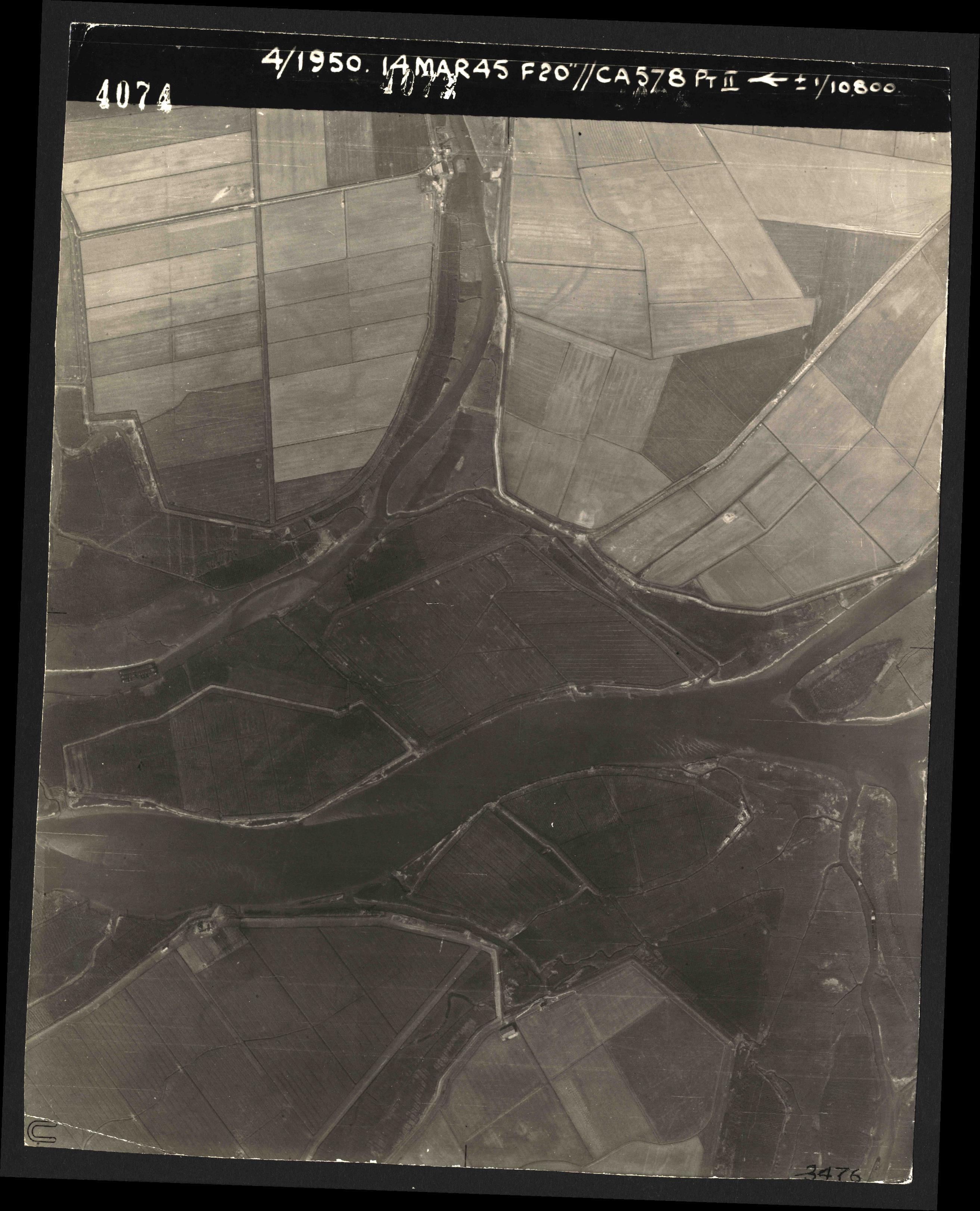 Collection RAF aerial photos 1940-1945 - flight 010, run 05, photo 4074