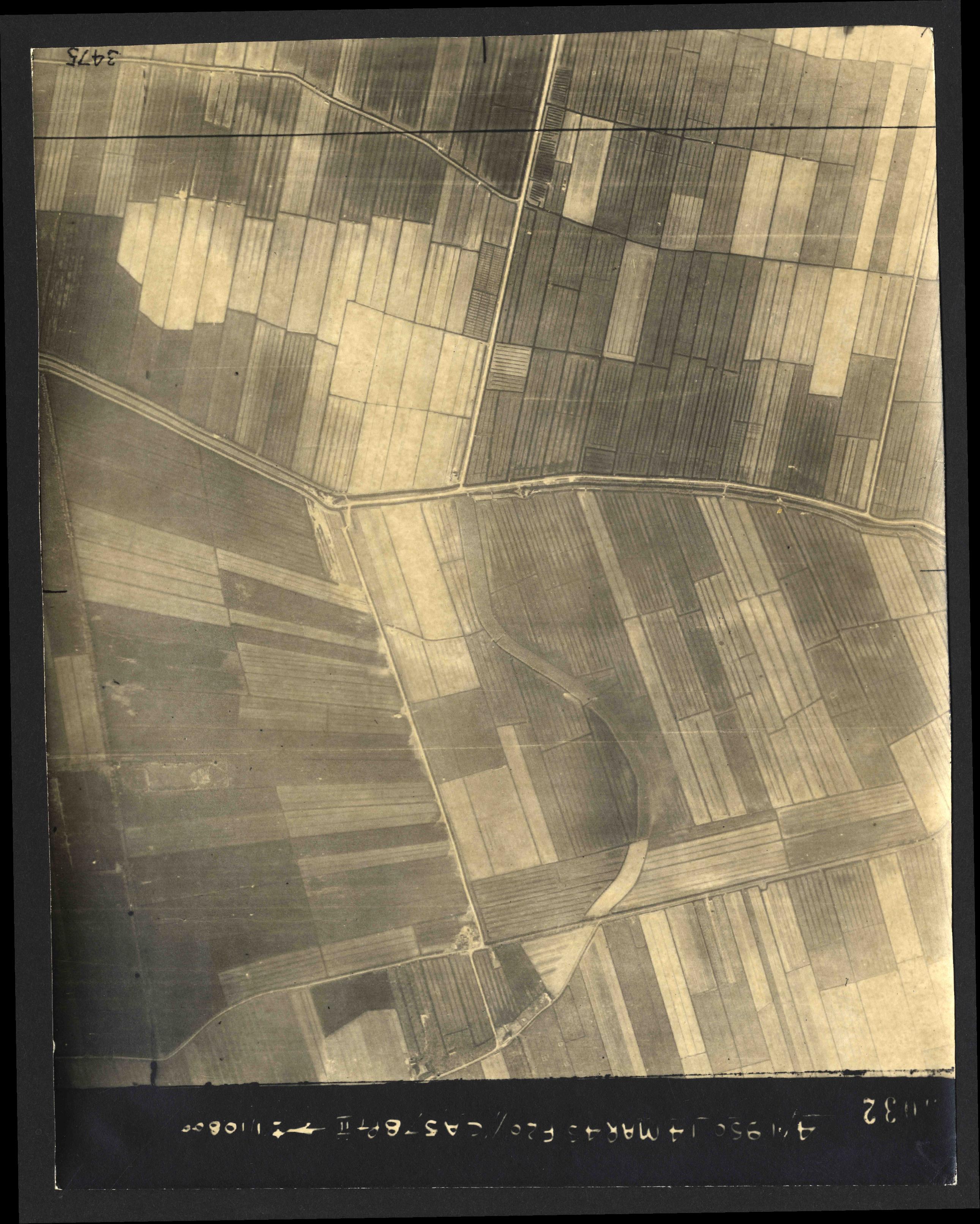 Collection RAF aerial photos 1940-1945 - flight 010, run 06, photo 3032