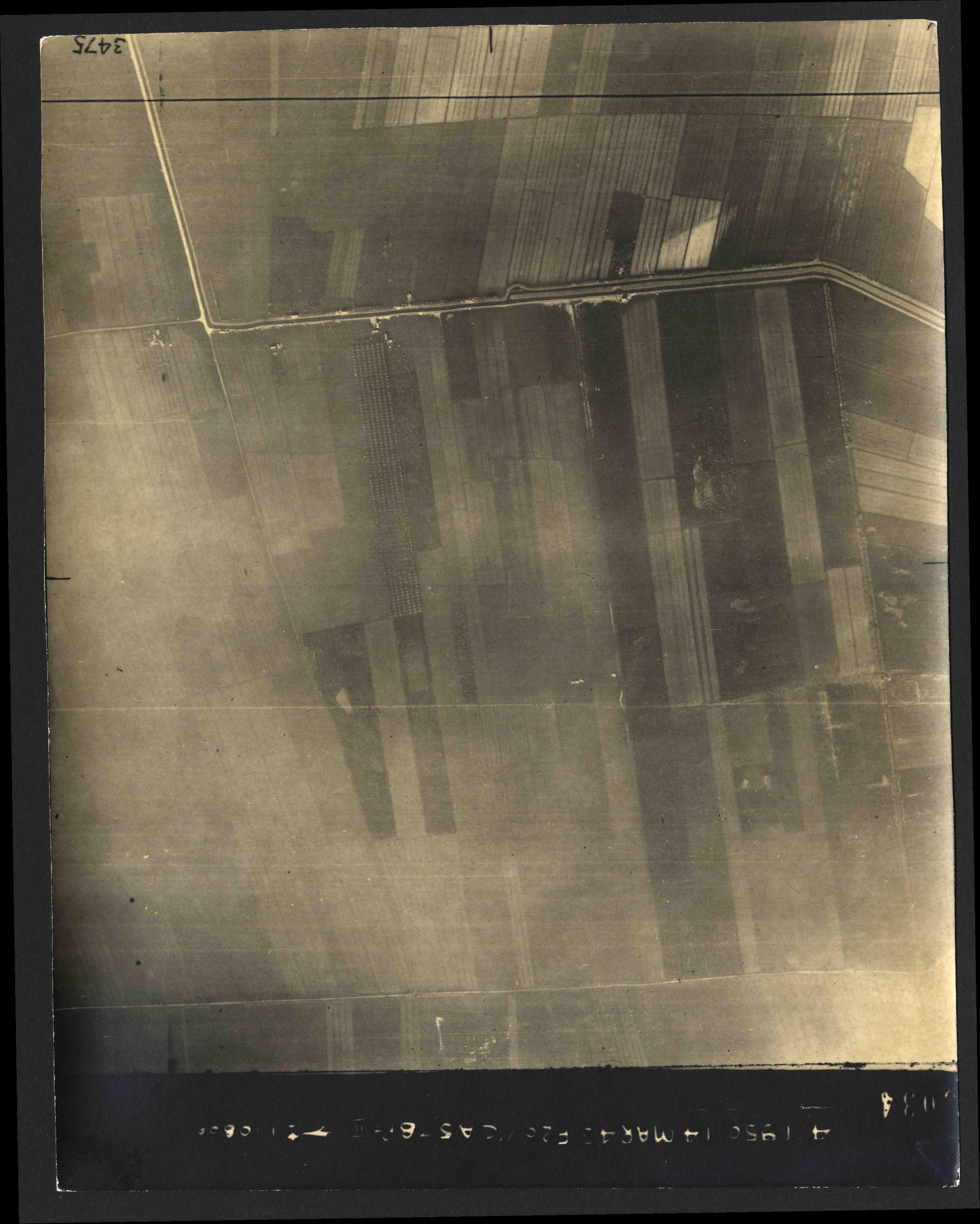 Collection RAF aerial photos 1940-1945 - flight 010, run 06, photo 3034
