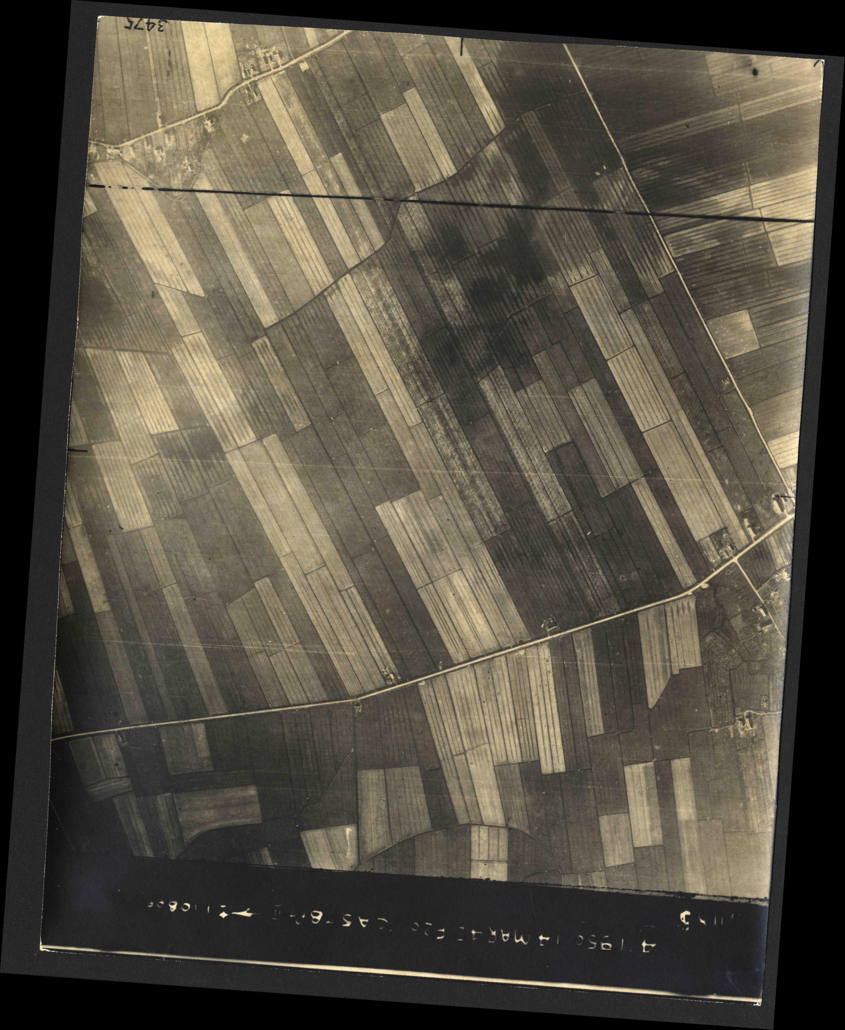 Collection RAF aerial photos 1940-1945 - flight 010, run 07, photo 3085