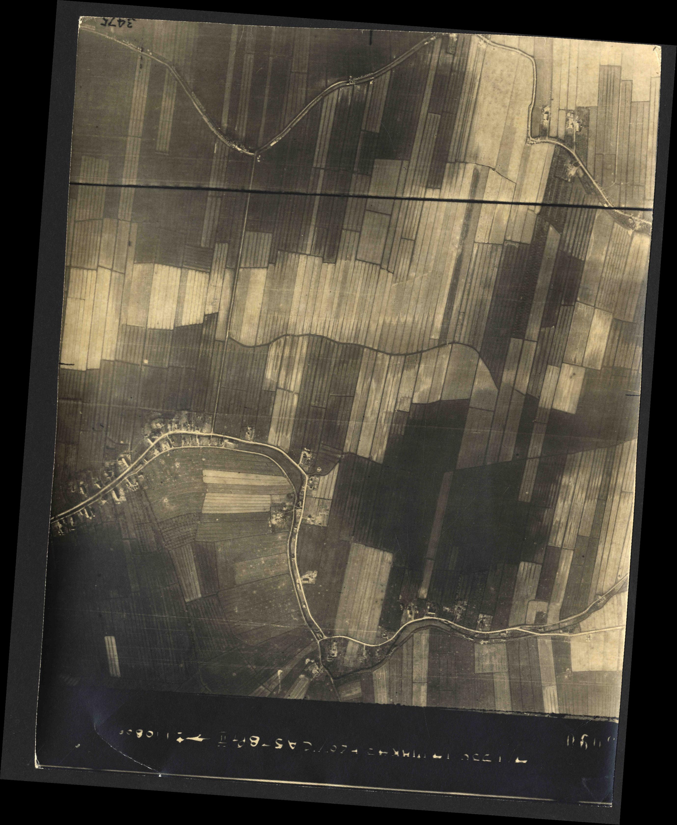 Collection RAF aerial photos 1940-1945 - flight 010, run 07, photo 3090