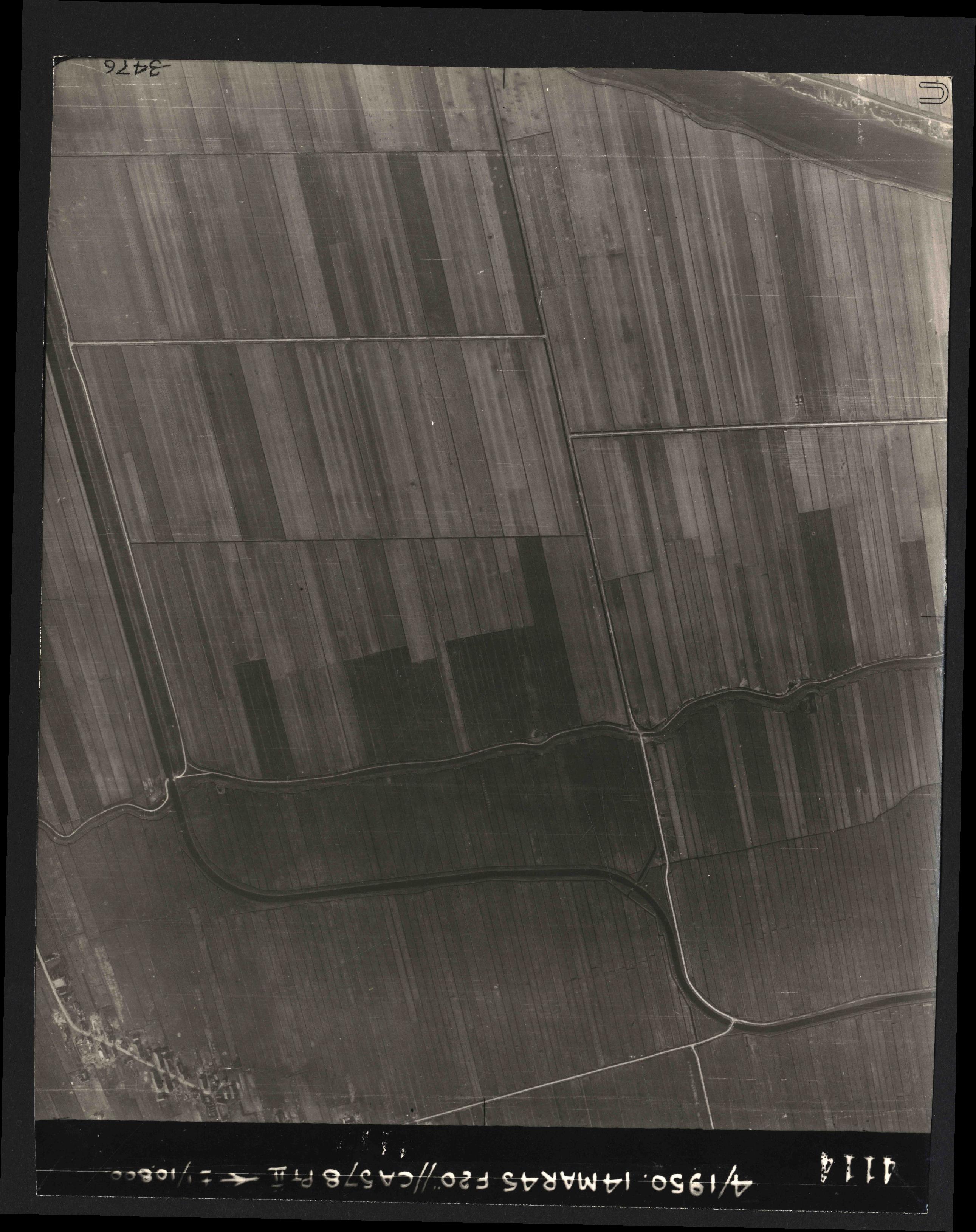 Collection RAF aerial photos 1940-1945 - flight 010, run 10, photo 4114