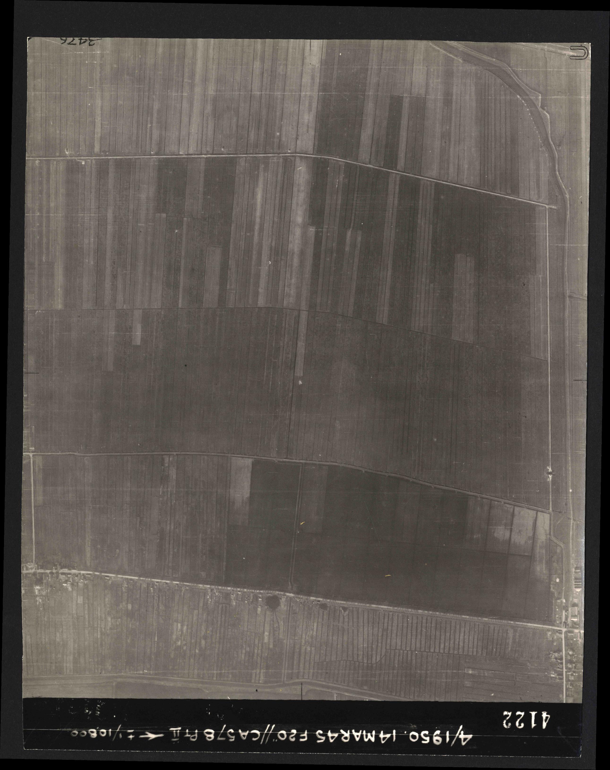 Collection RAF aerial photos 1940-1945 - flight 010, run 10, photo 4122