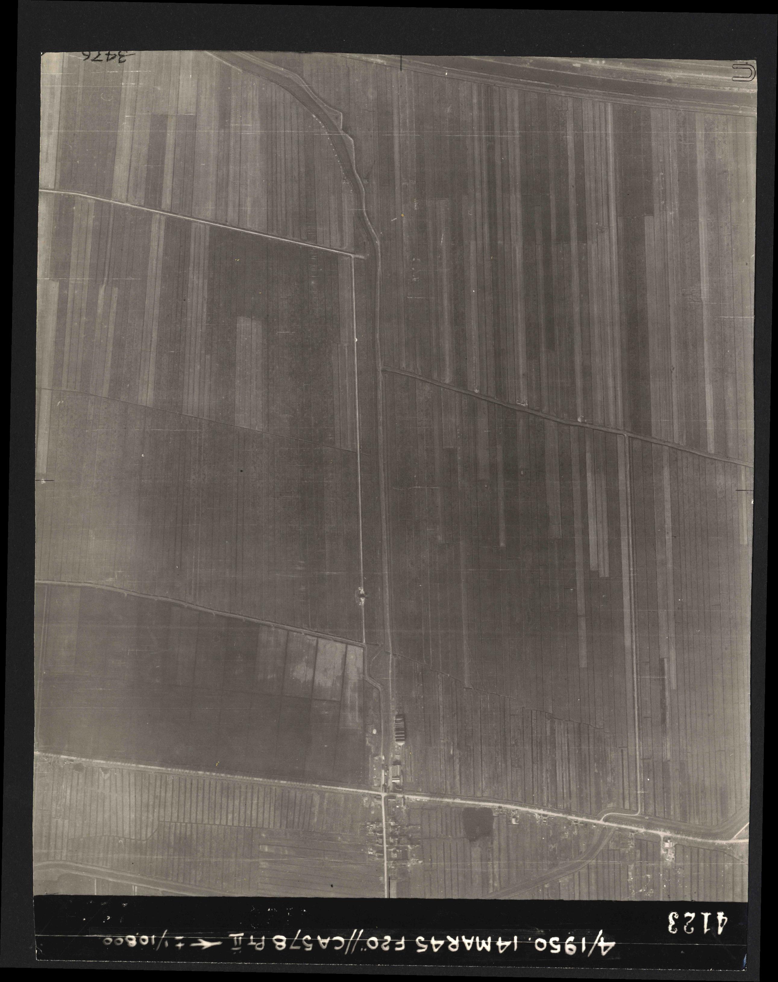 Collection RAF aerial photos 1940-1945 - flight 010, run 10, photo 4123