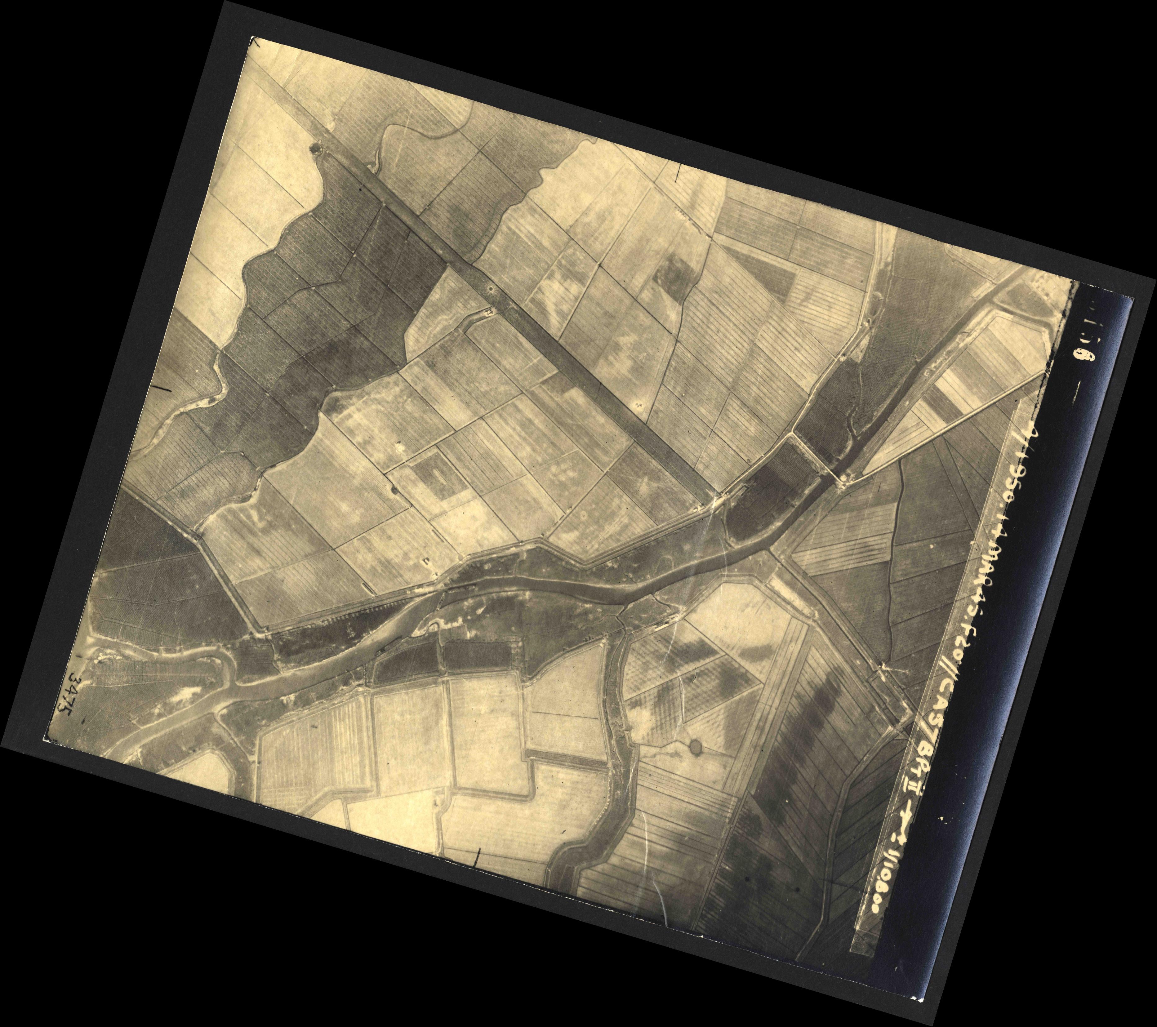Collection RAF aerial photos 1940-1945 - flight 010, run 12, photo 3156