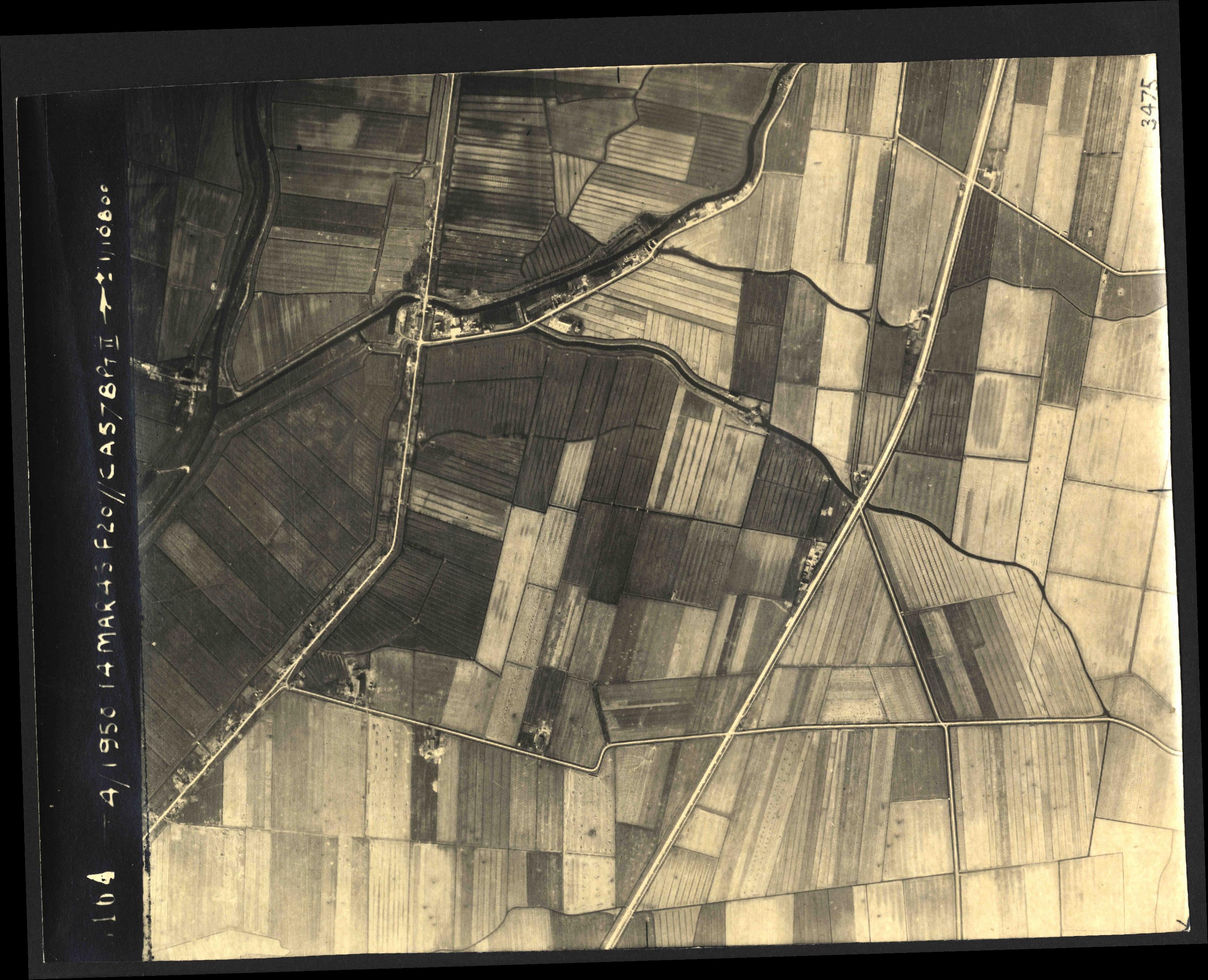 Collection RAF aerial photos 1940-1945 - flight 010, run 13, photo 3164