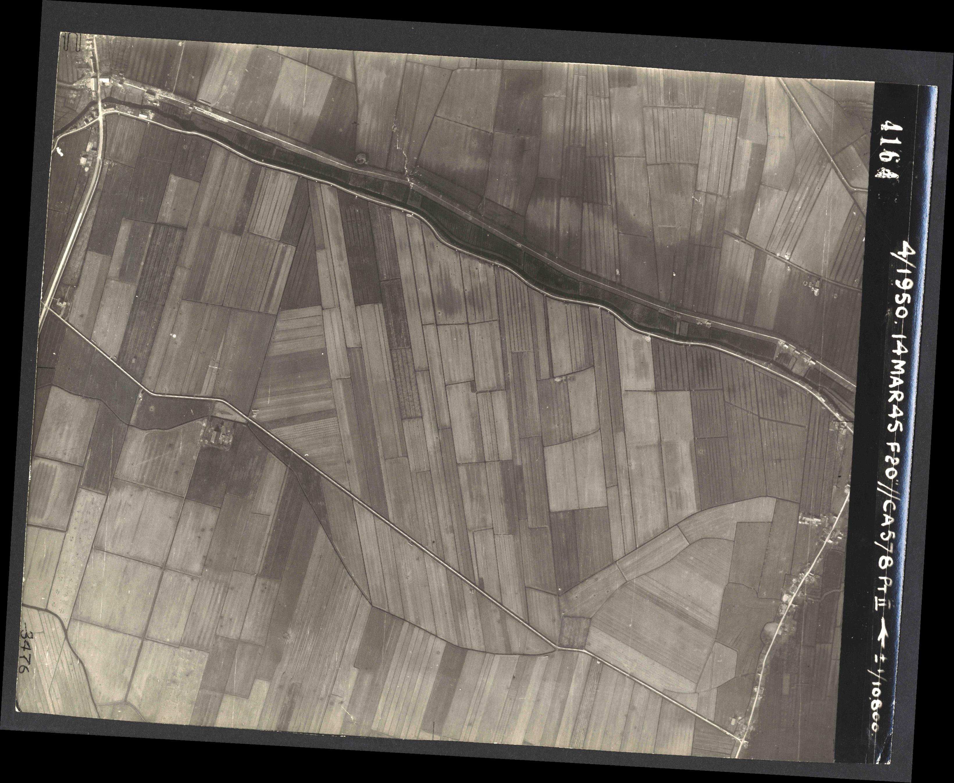 Collection RAF aerial photos 1940-1945 - flight 010, run 14, photo 4164