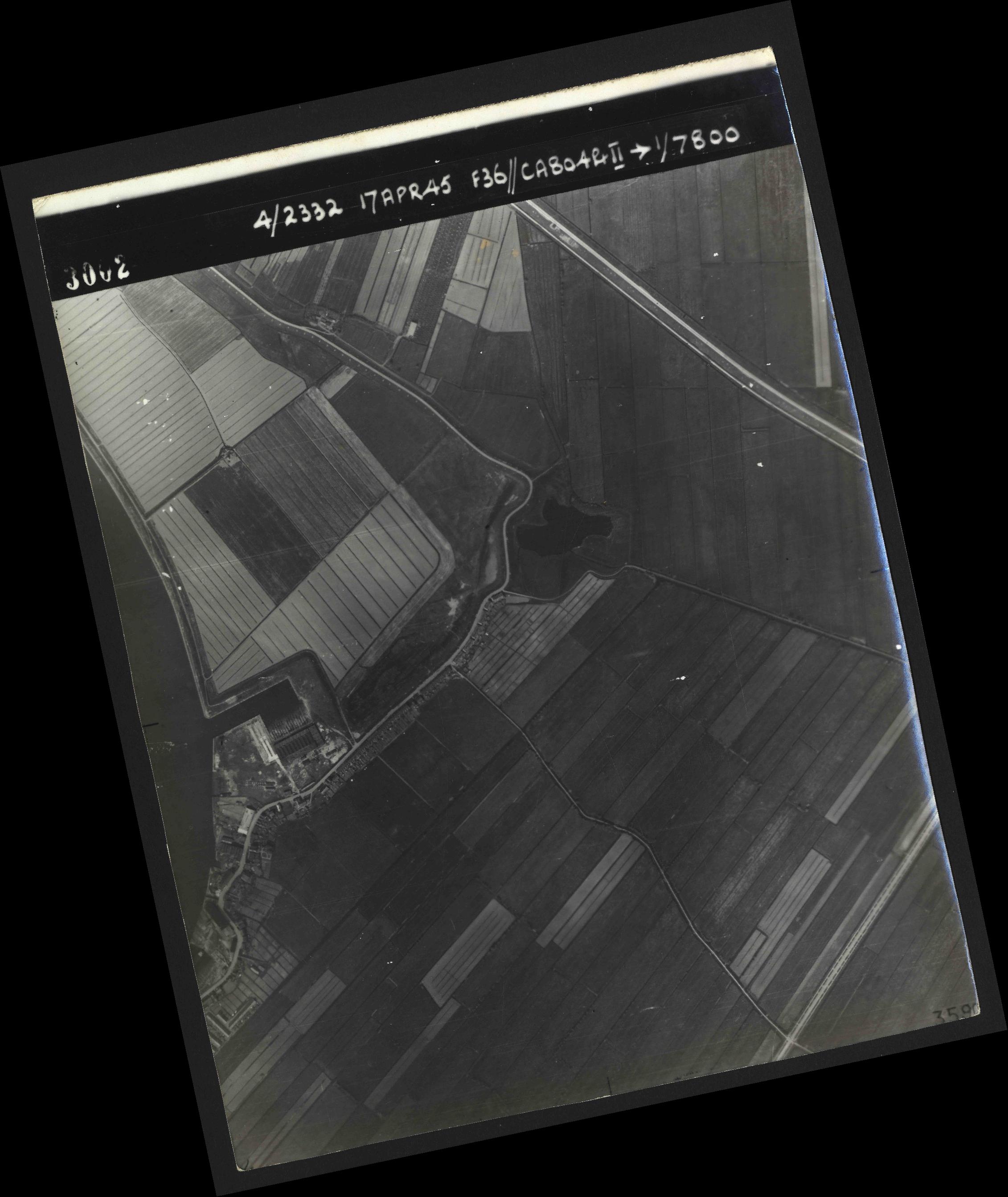 Collection RAF aerial photos 1940-1945 - flight 011, run 01, photo 3002