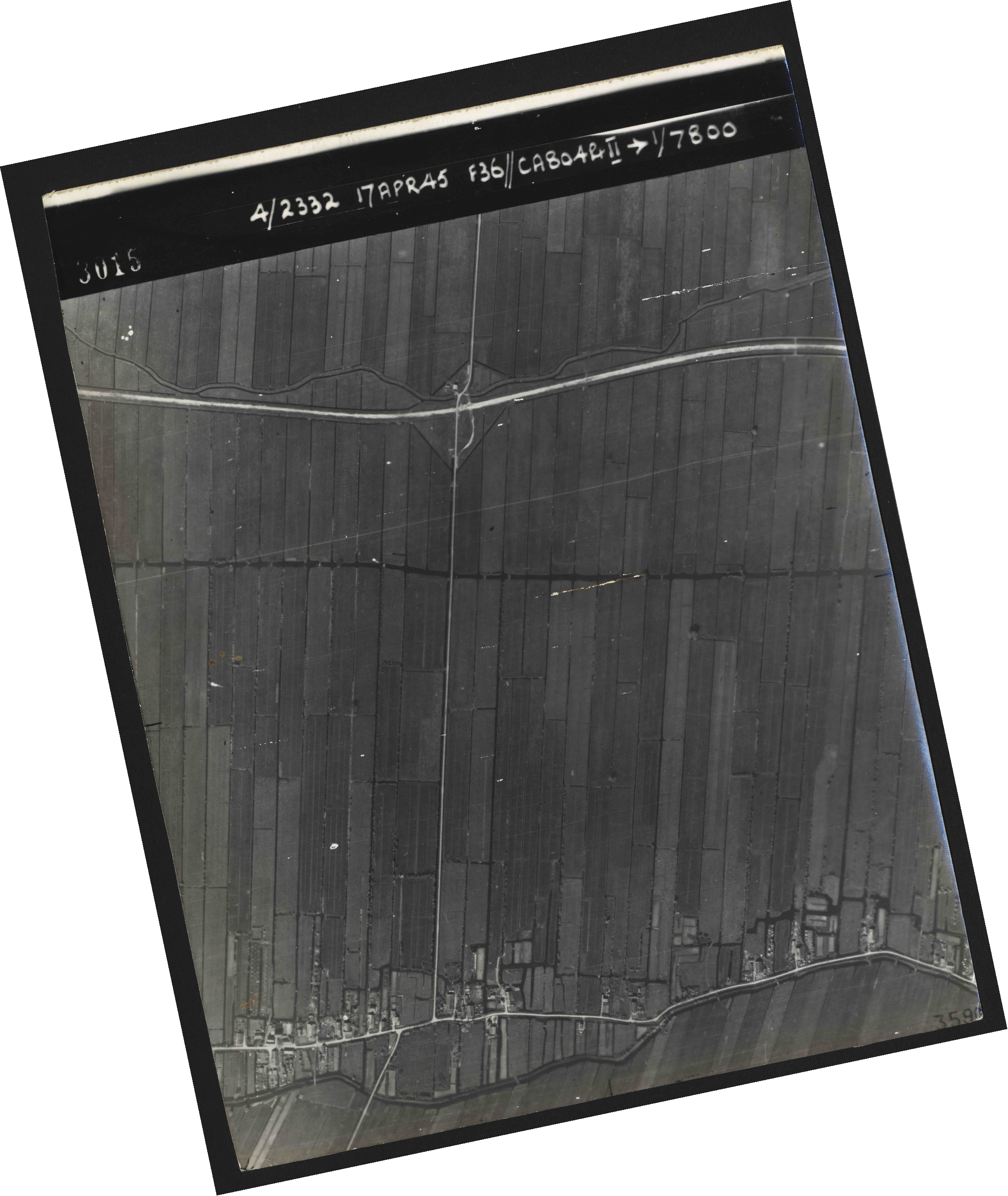 Collection RAF aerial photos 1940-1945 - flight 011, run 01, photo 3015