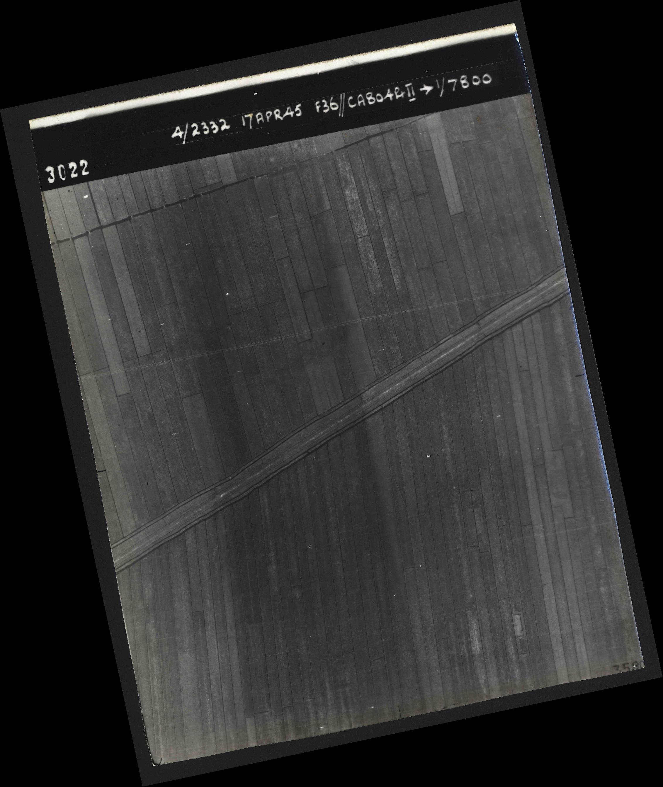 Collection RAF aerial photos 1940-1945 - flight 011, run 01, photo 3022