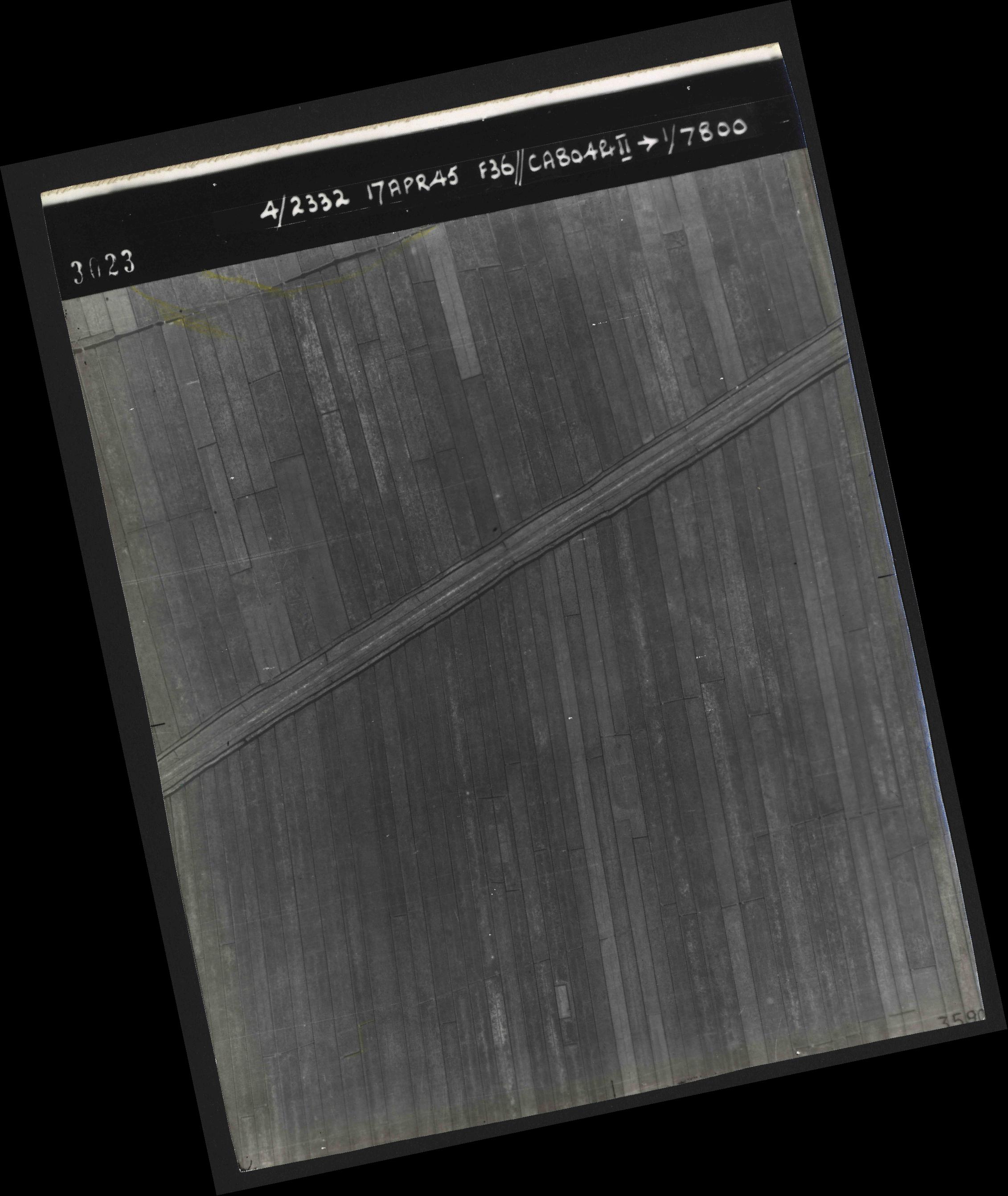 Collection RAF aerial photos 1940-1945 - flight 011, run 01, photo 3023