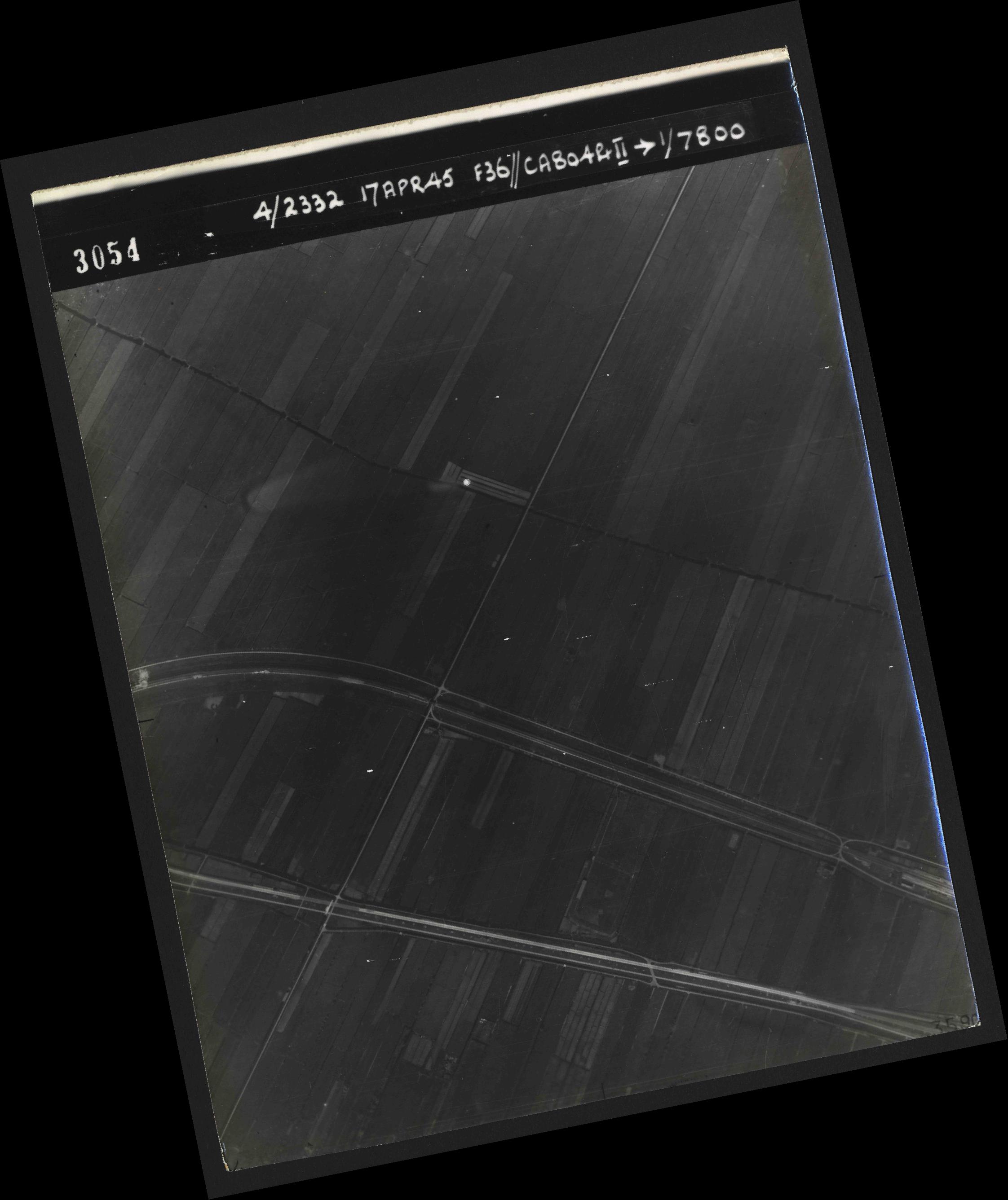 Collection RAF aerial photos 1940-1945 - flight 011, run 02, photo 3054