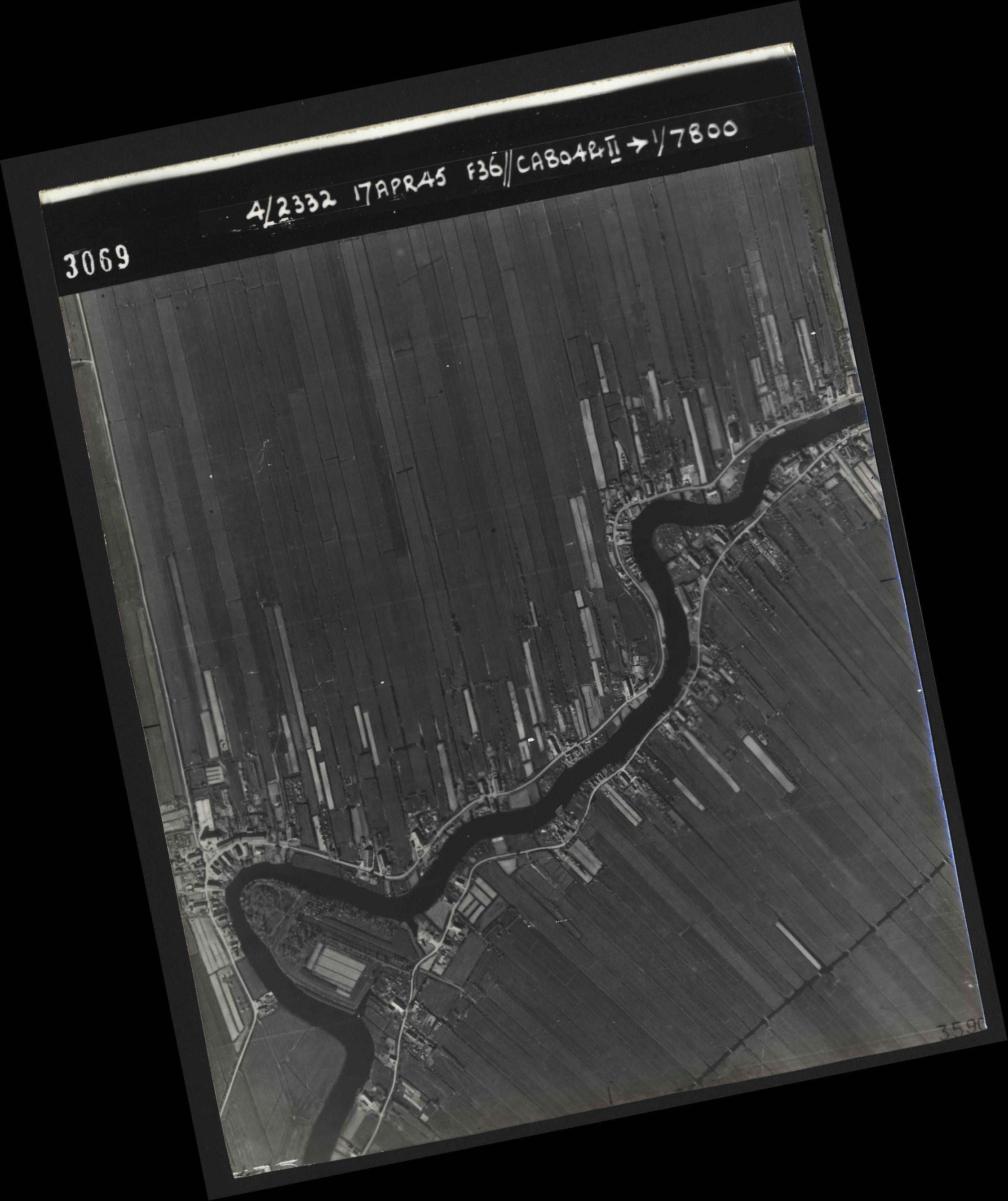 Collection RAF aerial photos 1940-1945 - flight 011, run 02, photo 3069