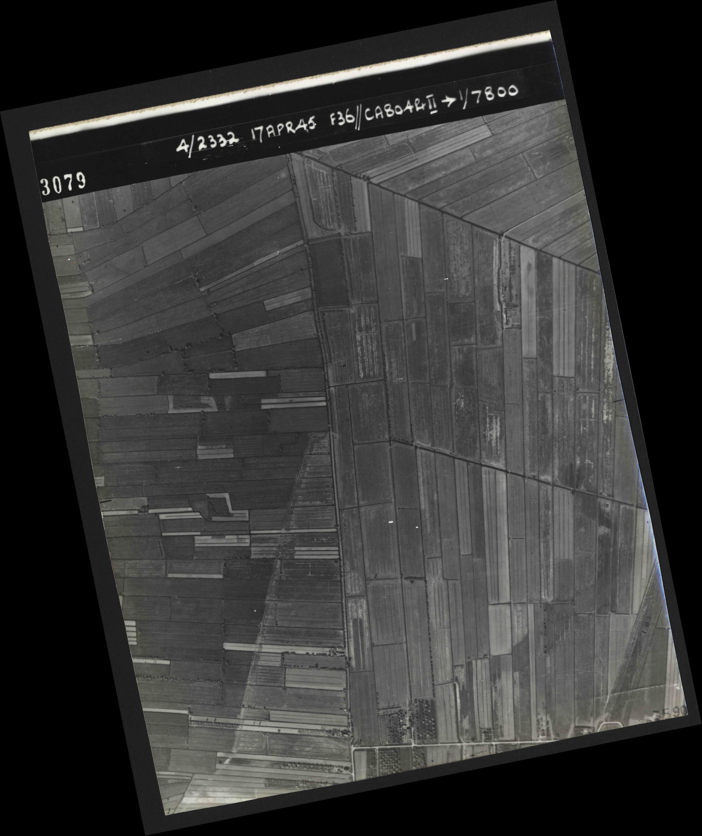 Collection RAF aerial photos 1940-1945 - flight 011, run 02, photo 3079