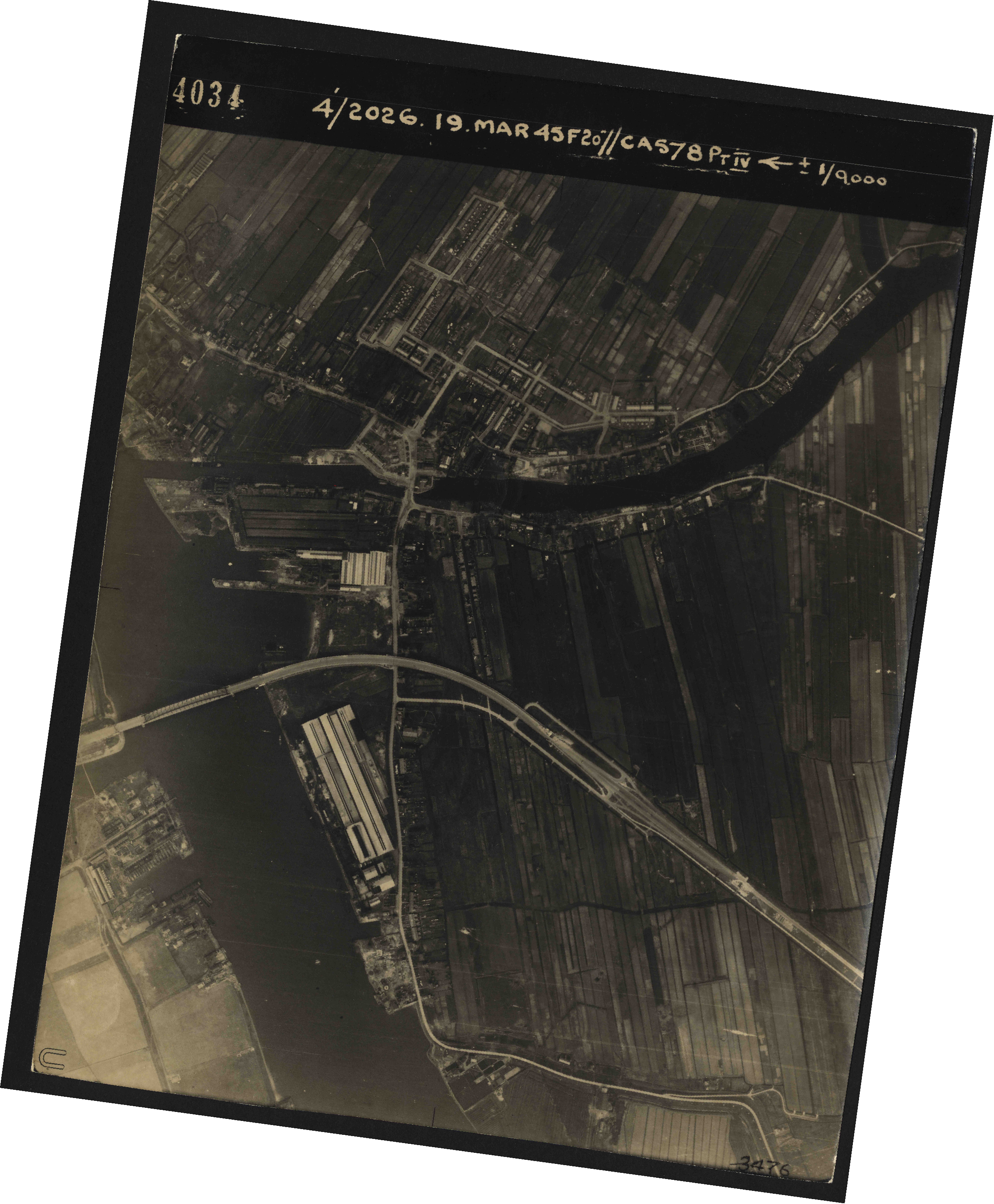 Collection RAF aerial photos 1940-1945 - flight 012, run 02, photo 4034