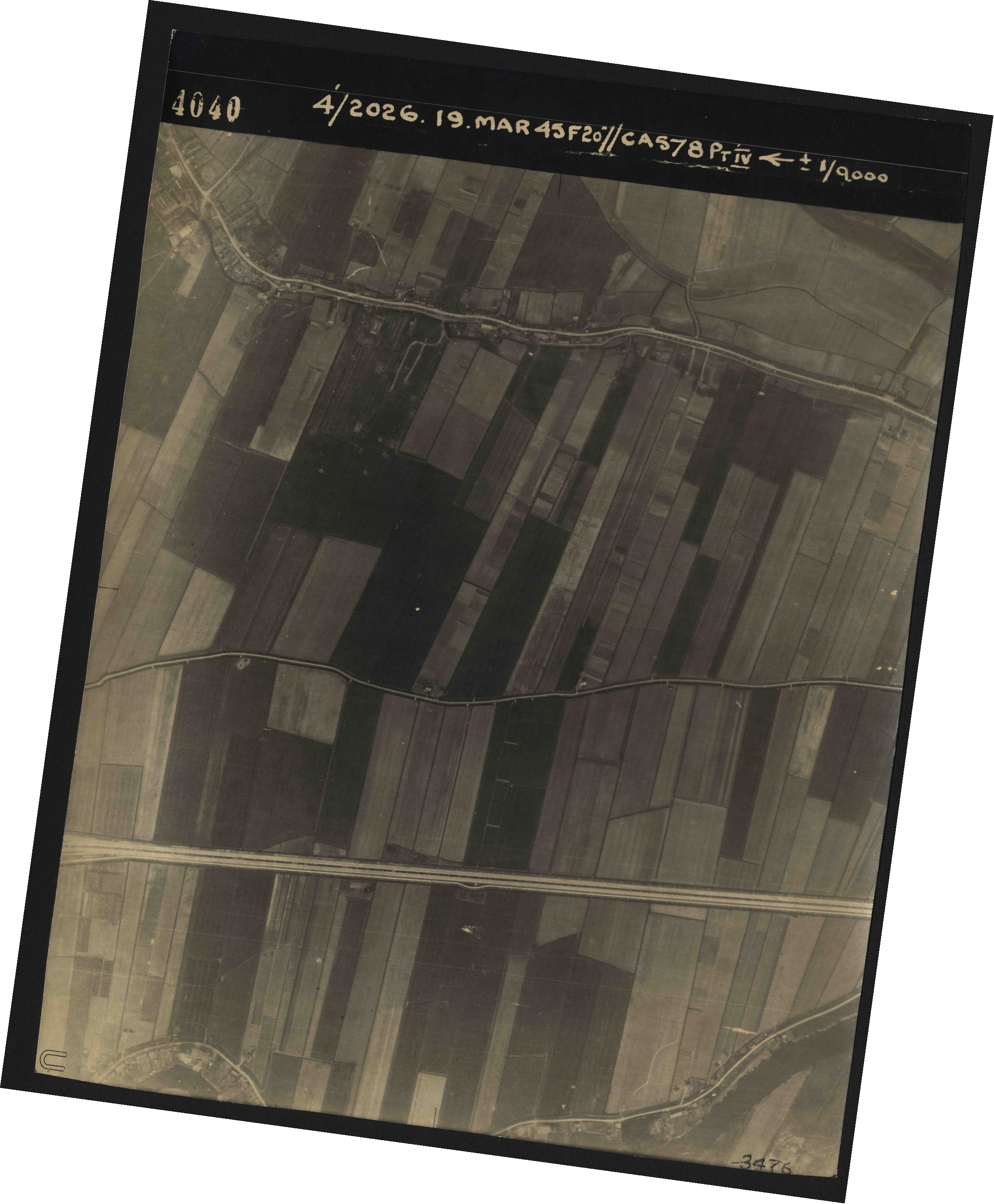 Collection RAF aerial photos 1940-1945 - flight 012, run 02, photo 4040