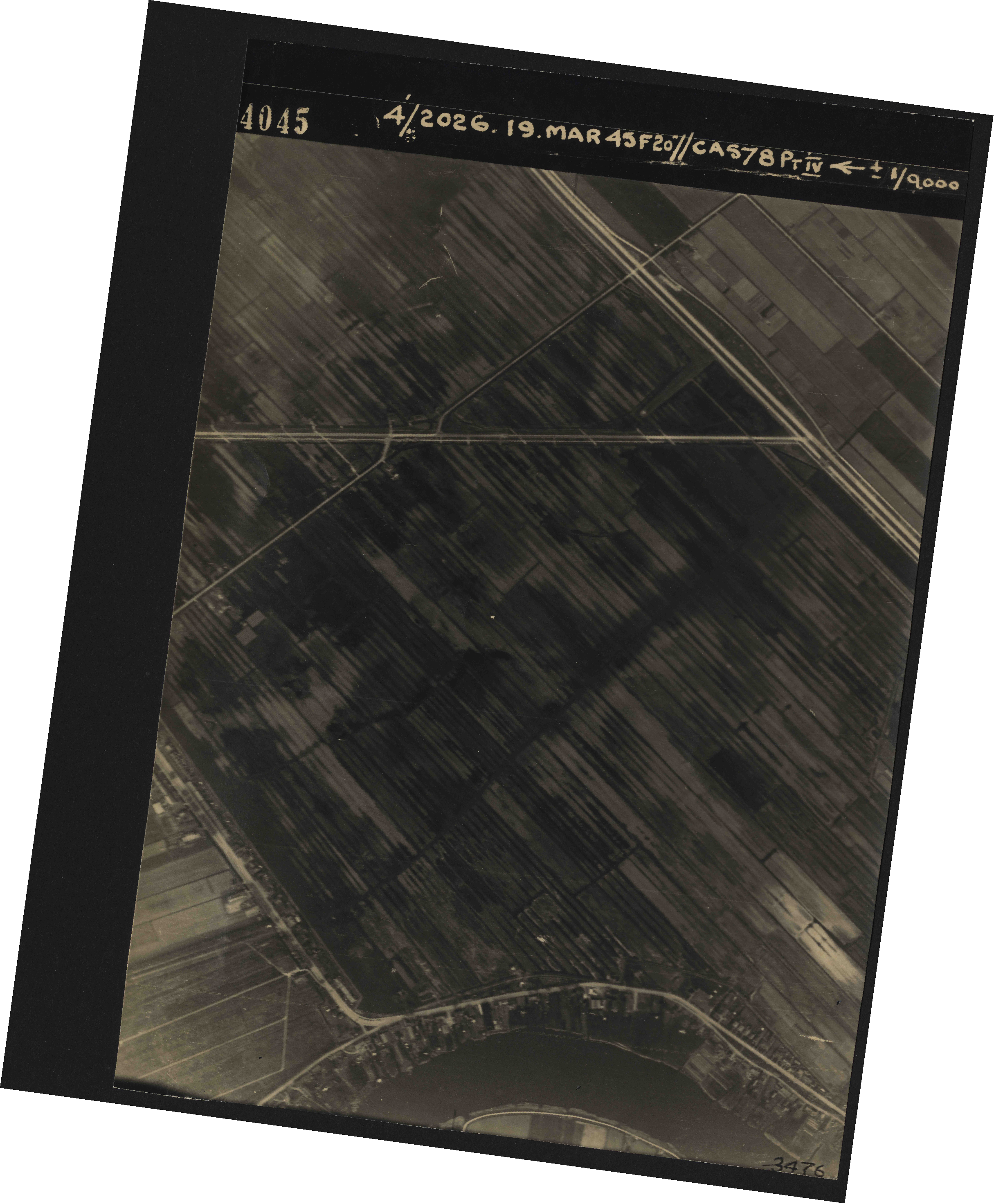 Collection RAF aerial photos 1940-1945 - flight 012, run 02, photo 4045