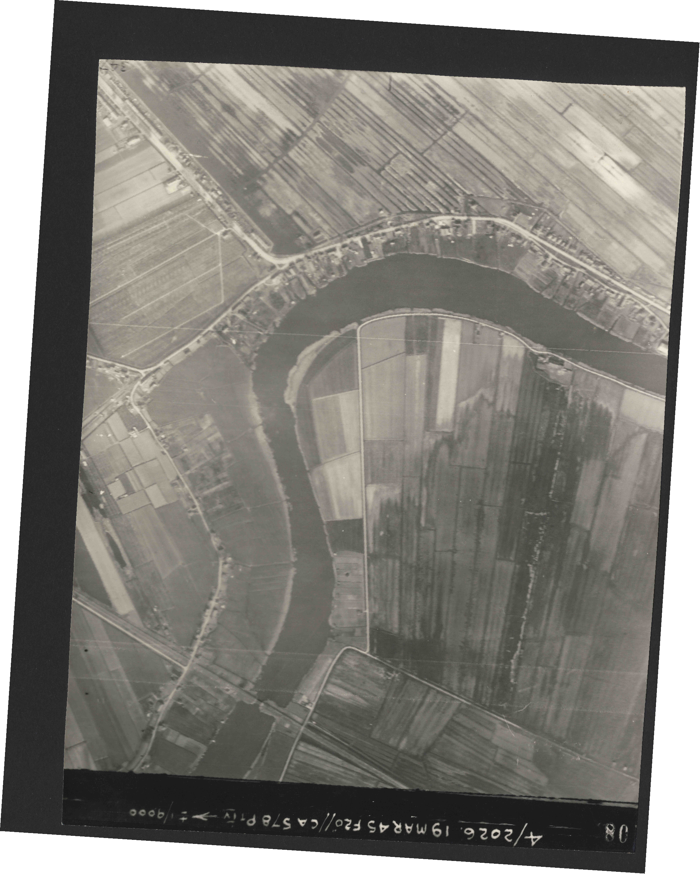 Collection RAF aerial photos 1940-1945 - flight 012, run 03, photo 3108