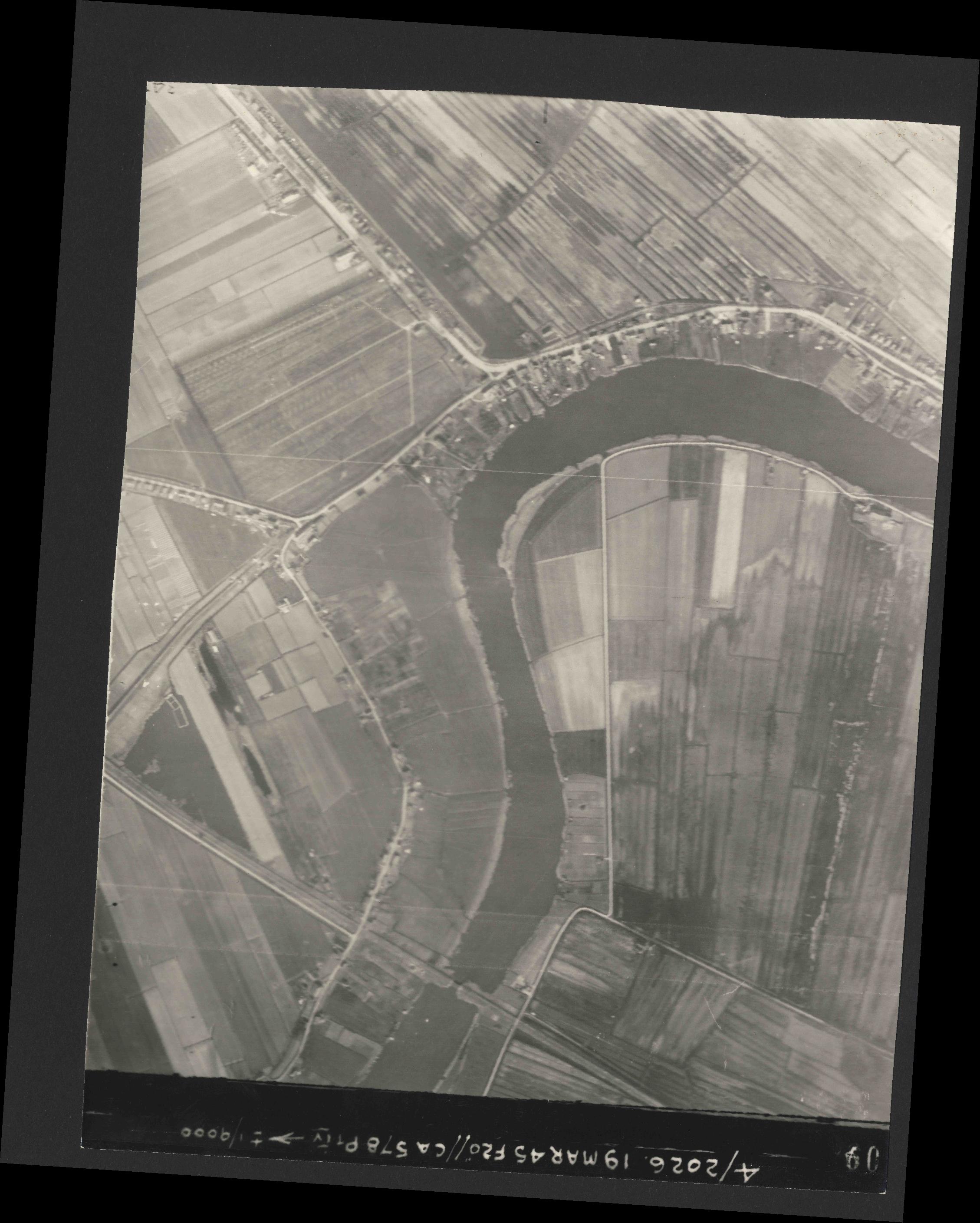 Collection RAF aerial photos 1940-1945 - flight 012, run 03, photo 3109