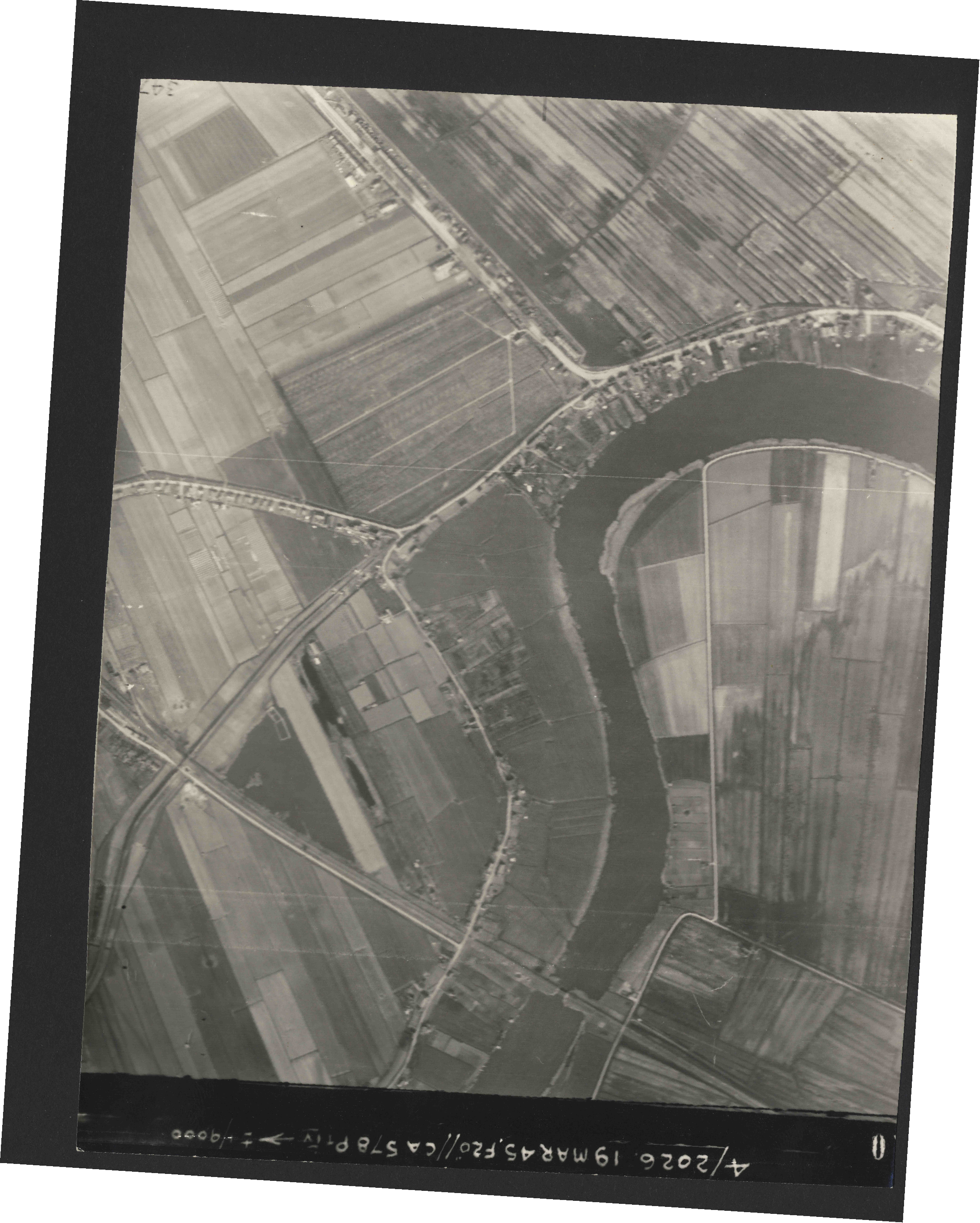 Collection RAF aerial photos 1940-1945 - flight 012, run 03, photo 3110