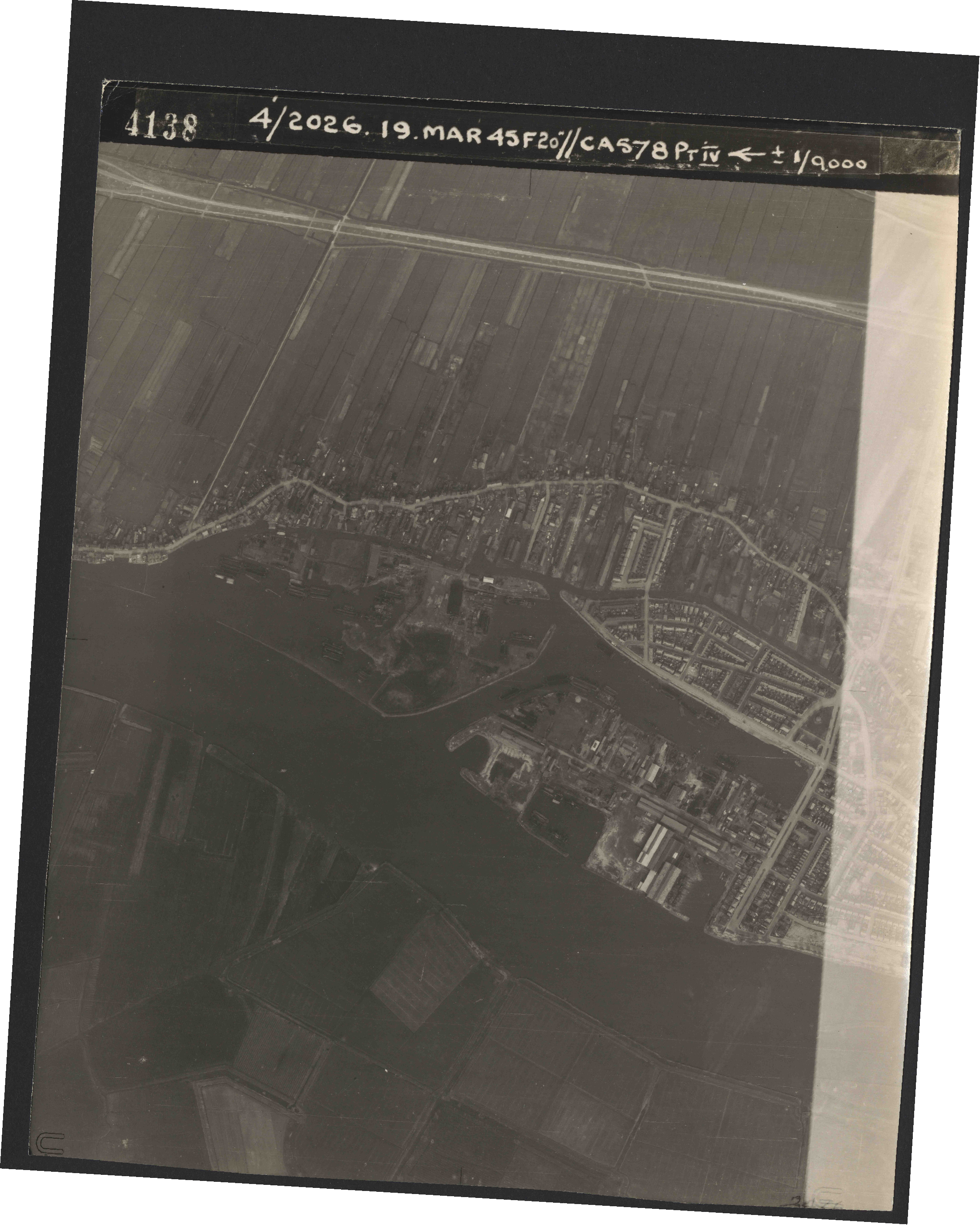 Collection RAF aerial photos 1940-1945 - flight 012, run 05, photo 4138