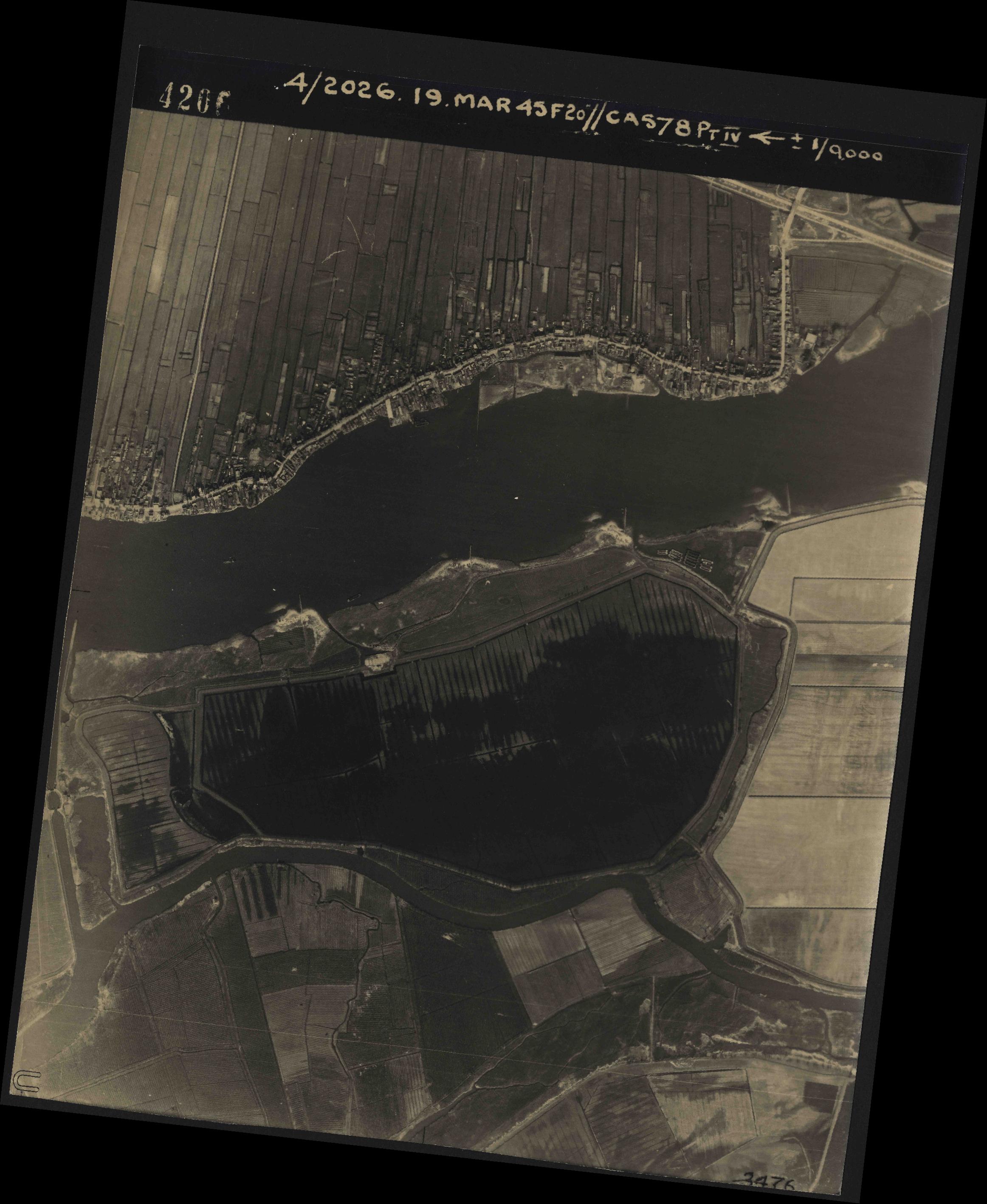 Collection RAF aerial photos 1940-1945 - flight 012, run 06, photo 4206