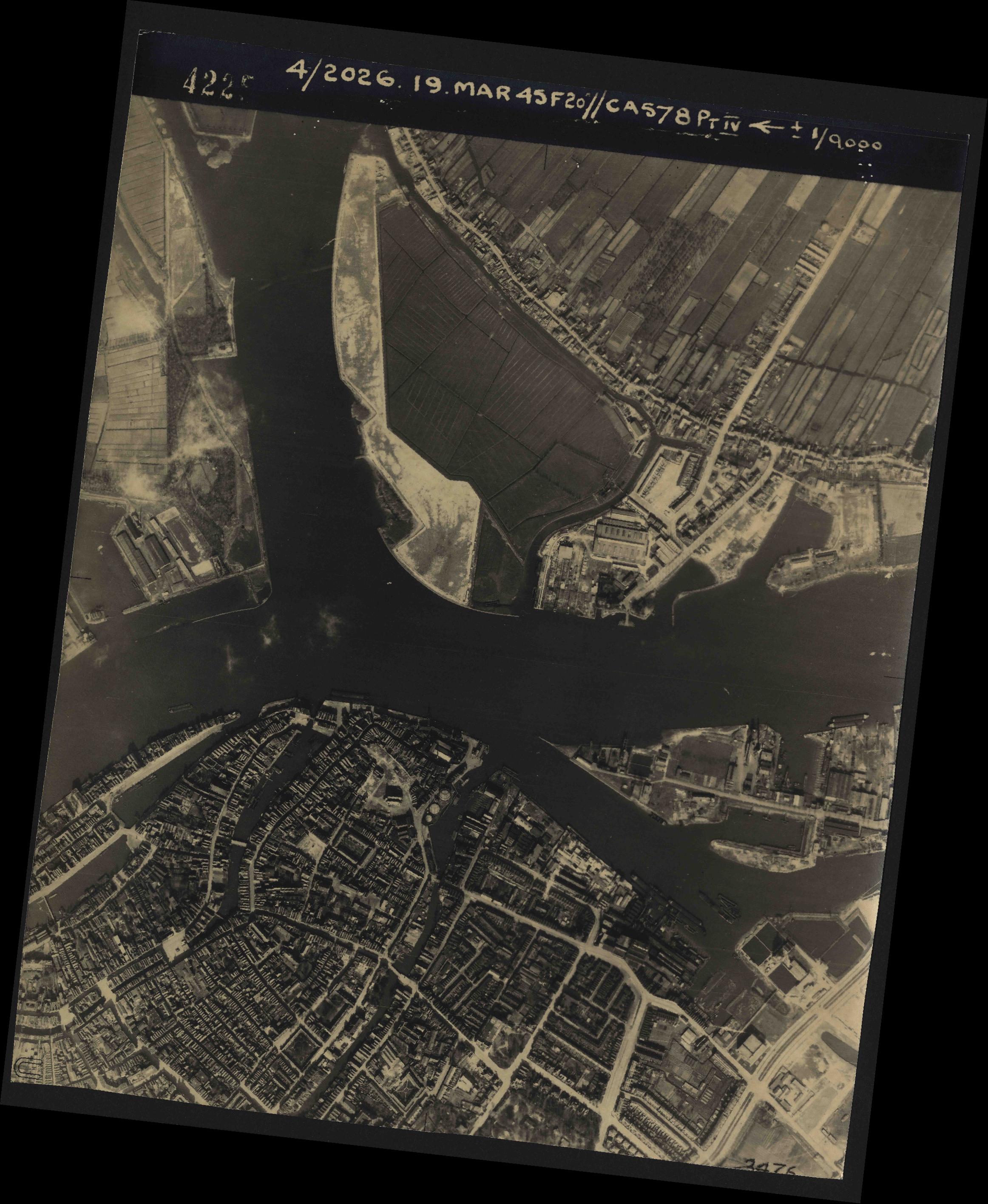 Collection RAF aerial photos 1940-1945 - flight 012, run 06, photo 4225