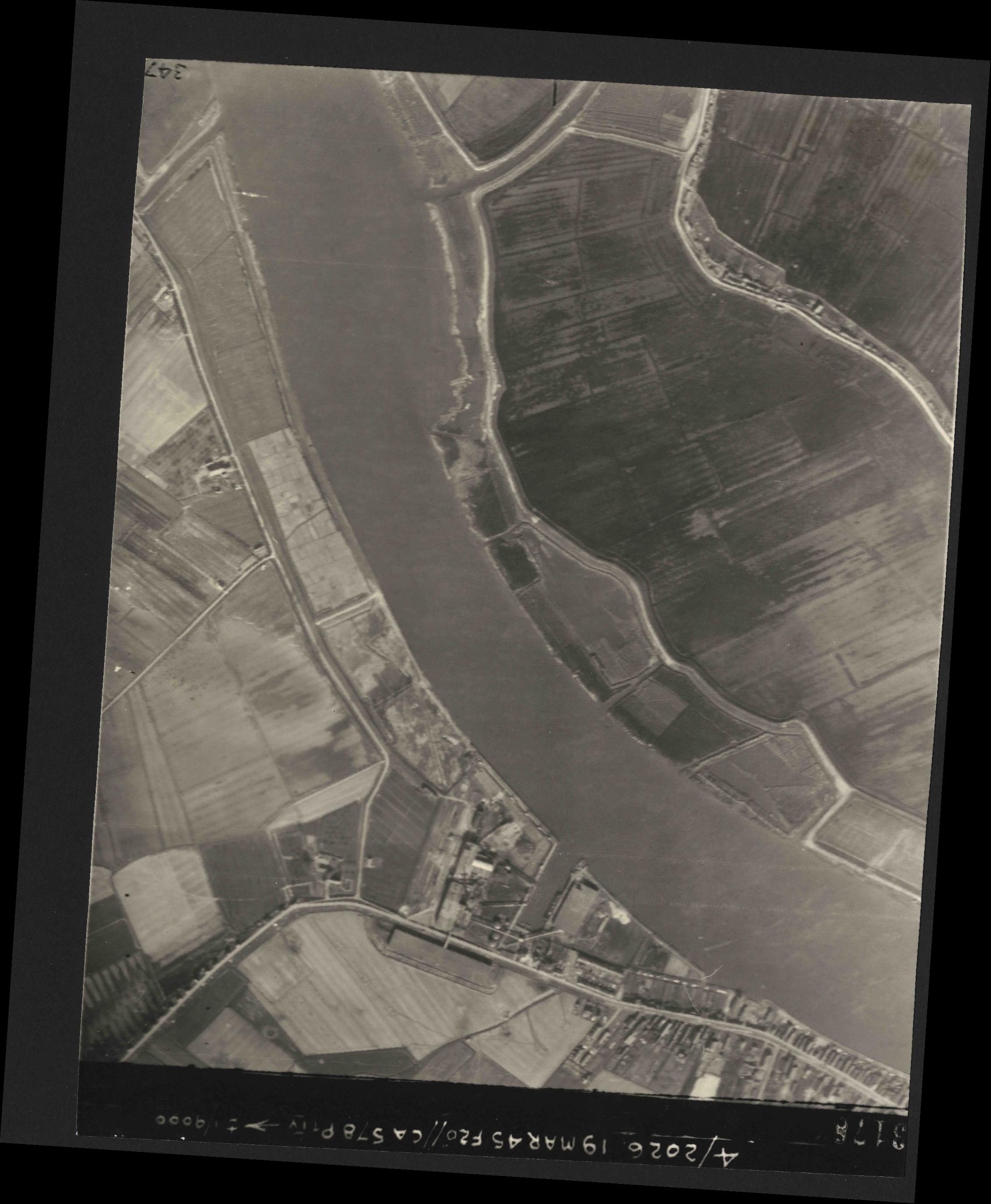 Collection RAF aerial photos 1940-1945 - flight 012, run 07, photo 3178