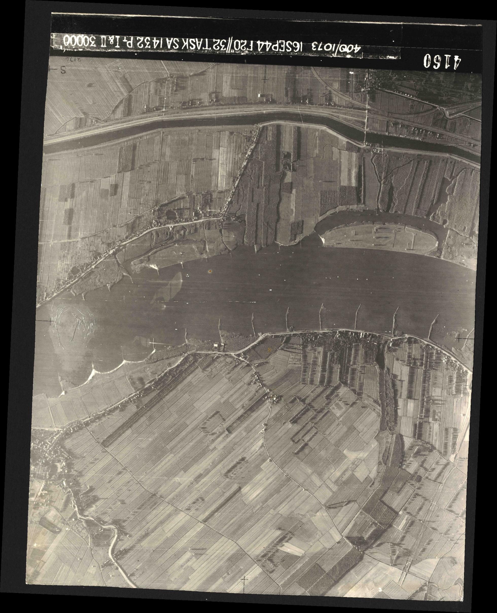 Collection RAF aerial photos 1940-1945 - flight 013, run 01, photo 4160