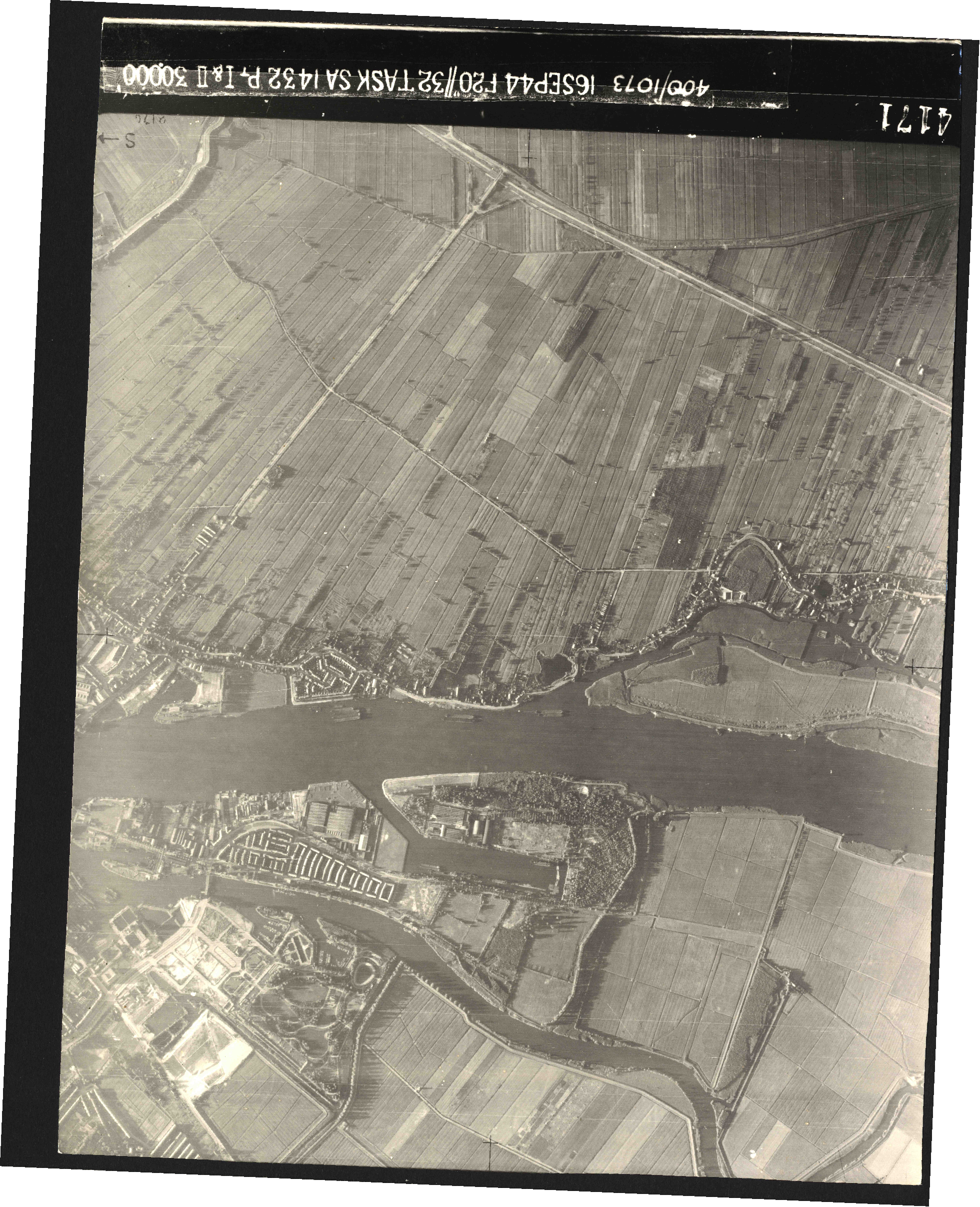Collection RAF aerial photos 1940-1945 - flight 013, run 01, photo 4171