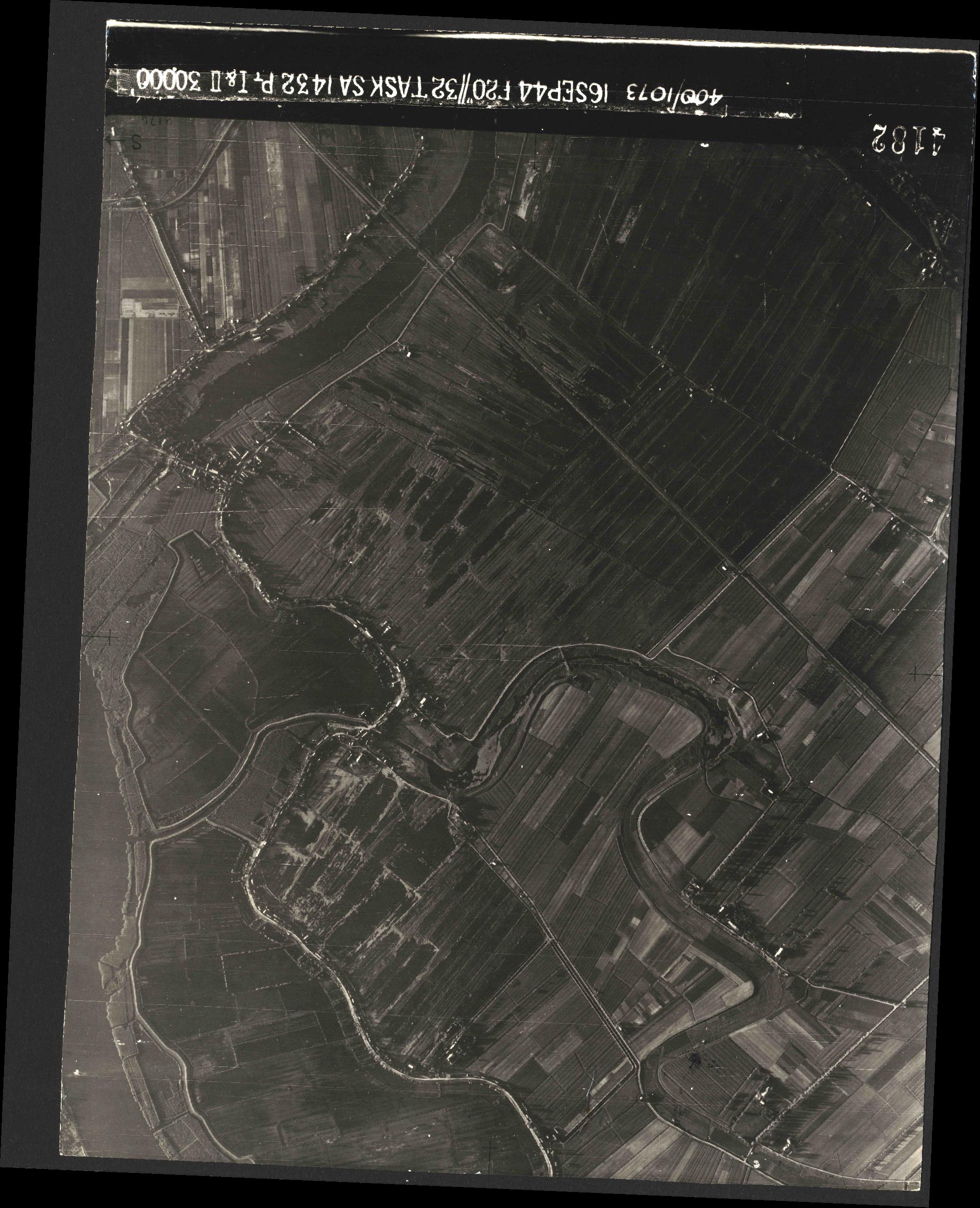 Collection RAF aerial photos 1940-1945 - flight 013, run 01, photo 4182