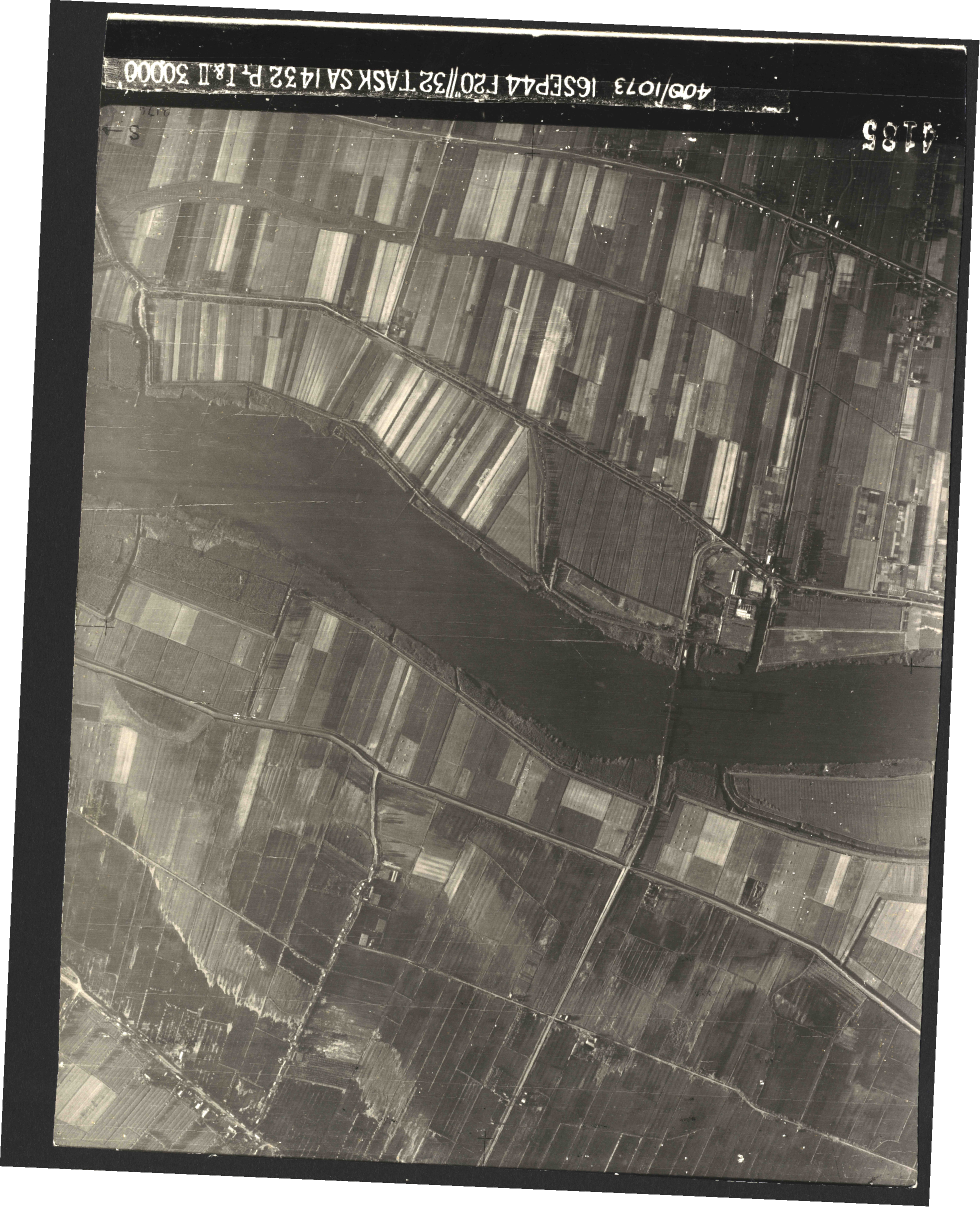 Collection RAF aerial photos 1940-1945 - flight 013, run 01, photo 4185