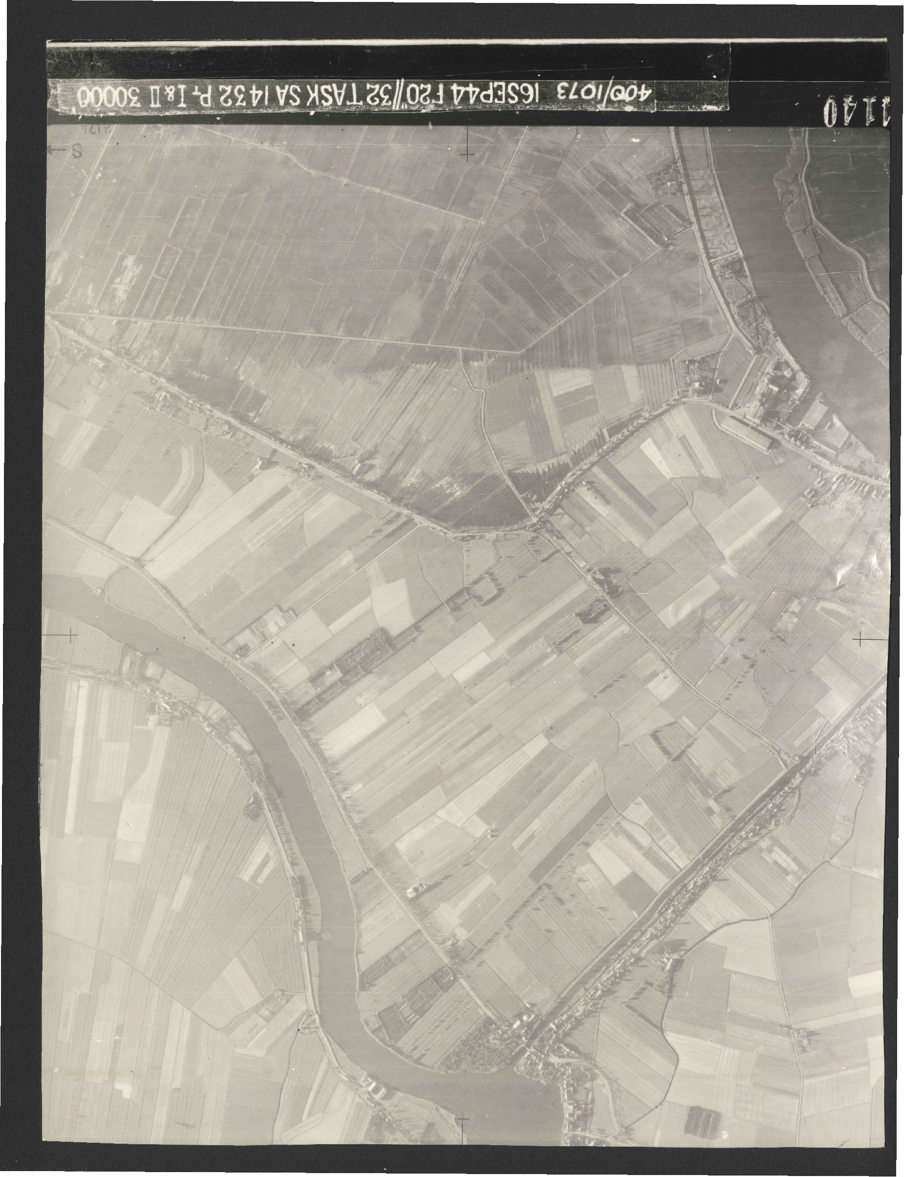 Collection RAF aerial photos 1940-1945 - flight 013, run 02, photo 4140