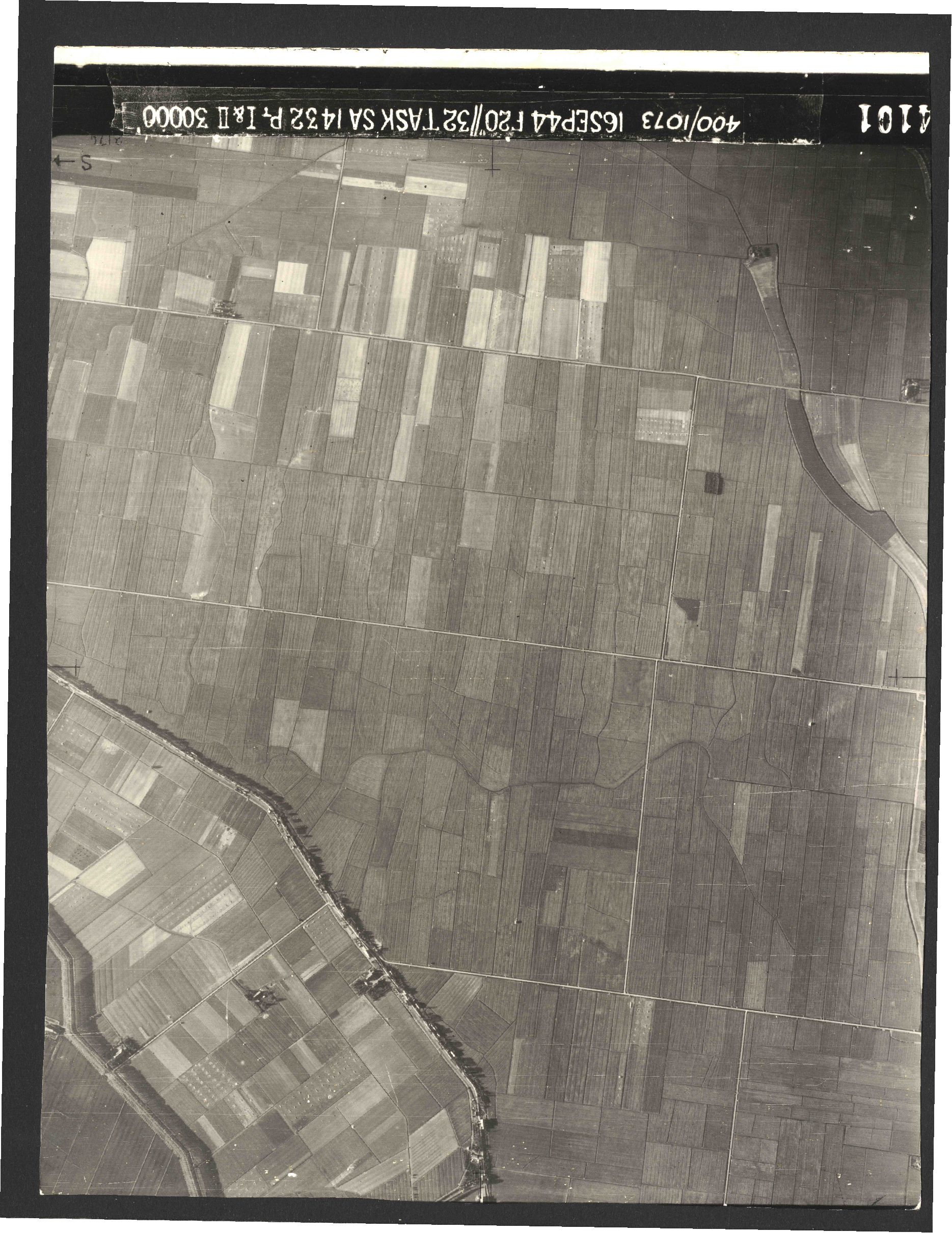 Collection RAF aerial photos 1940-1945 - flight 013, run 04, photo 4101