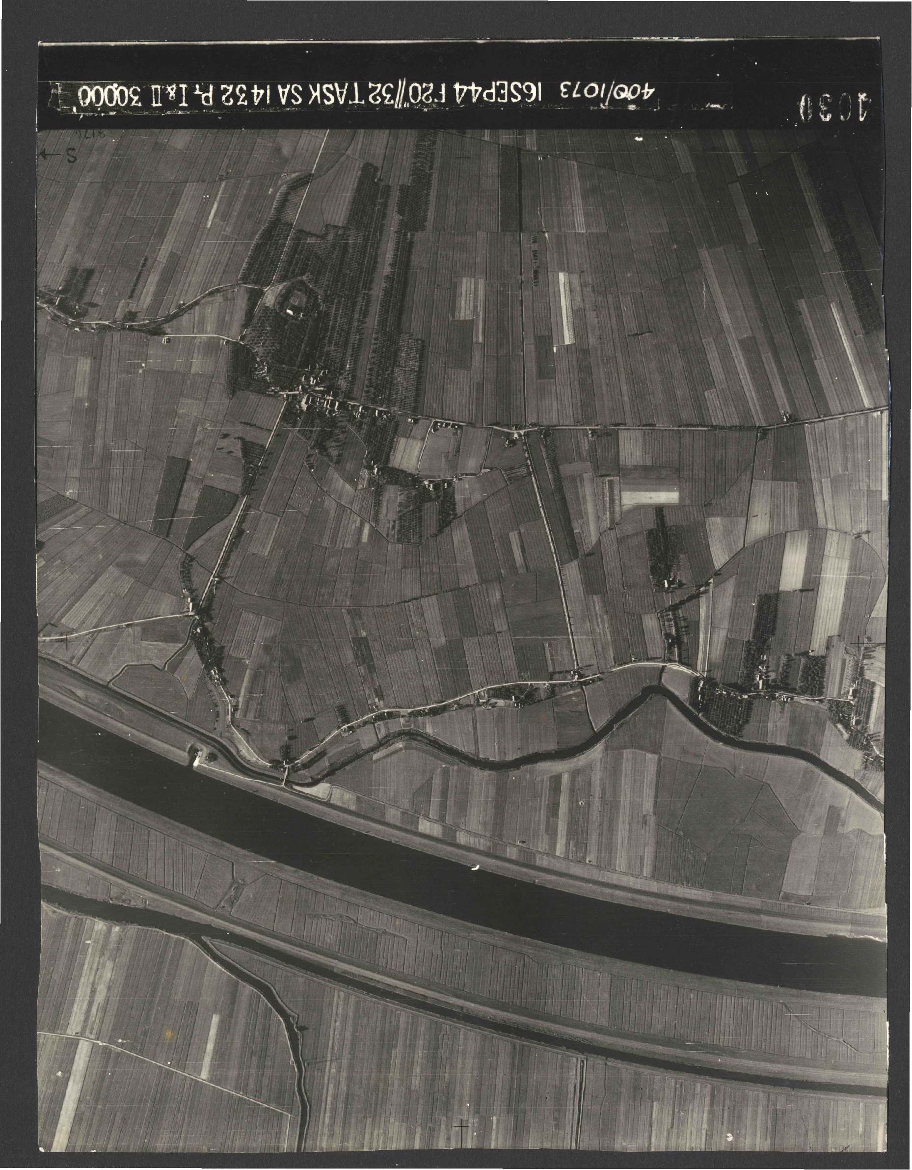 Collection RAF aerial photos 1940-1945 - flight 013, run 06, photo 4030