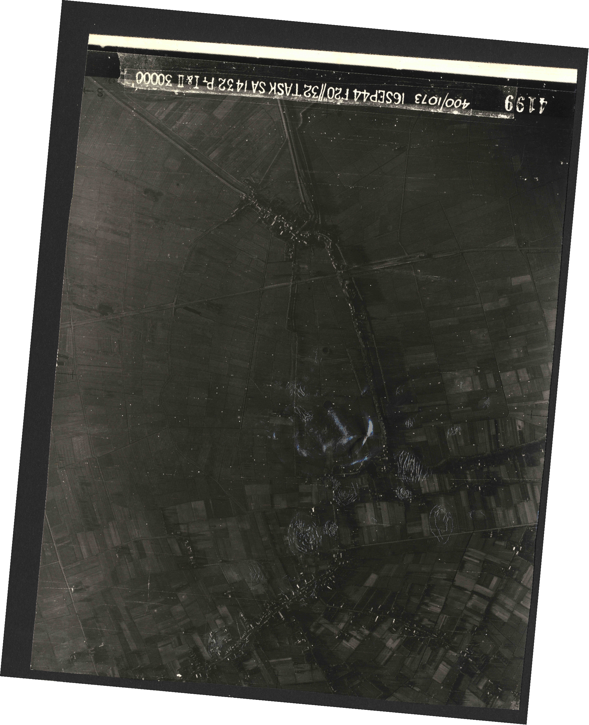 Collection RAF aerial photos 1940-1945 - flight 013, run 08, photo 4199