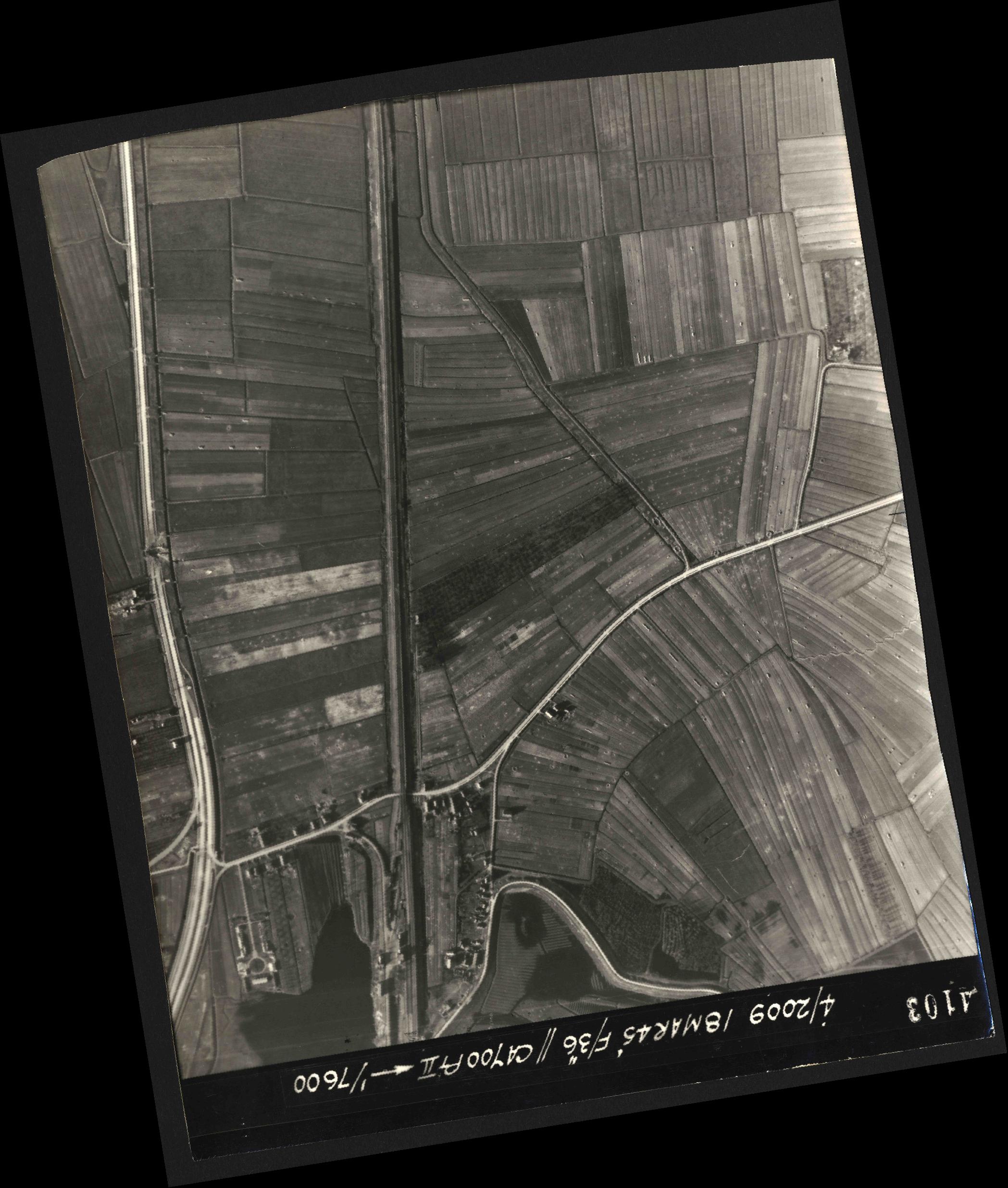 Collection RAF aerial photos 1940-1945 - flight 017, run 07, photo 4103
