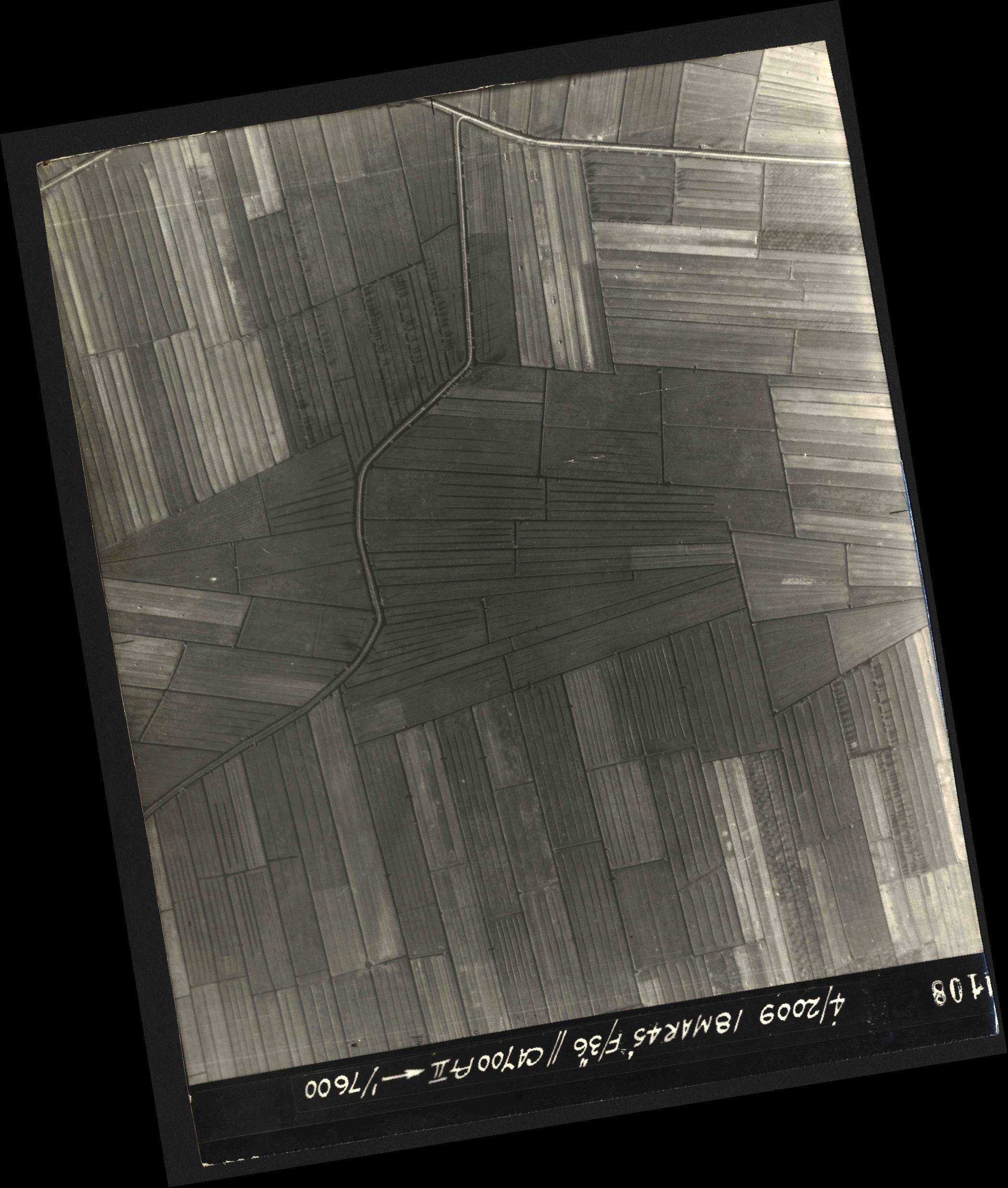 Collection RAF aerial photos 1940-1945 - flight 017, run 07, photo 4108