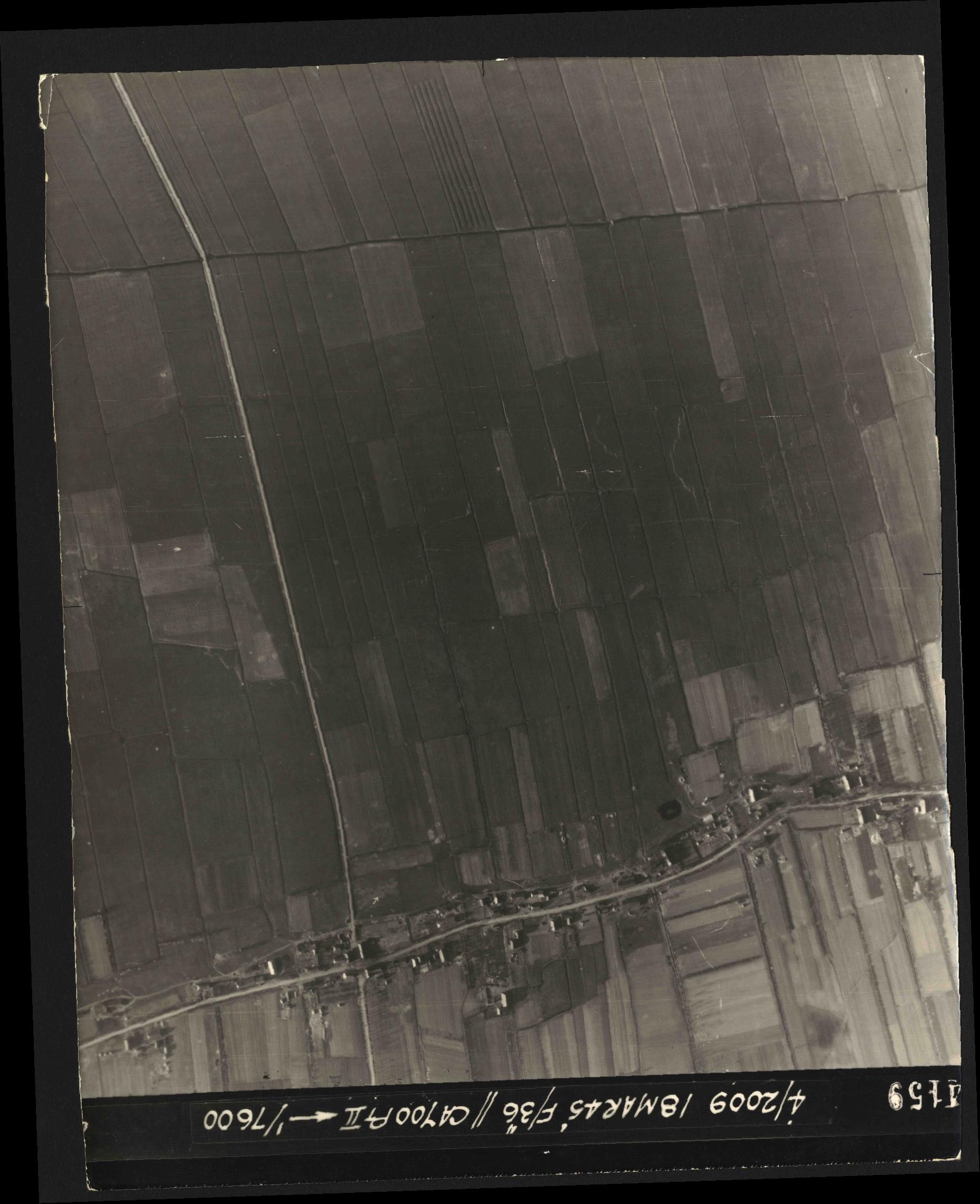 Collection RAF aerial photos 1940-1945 - flight 017, run 09, photo 4159