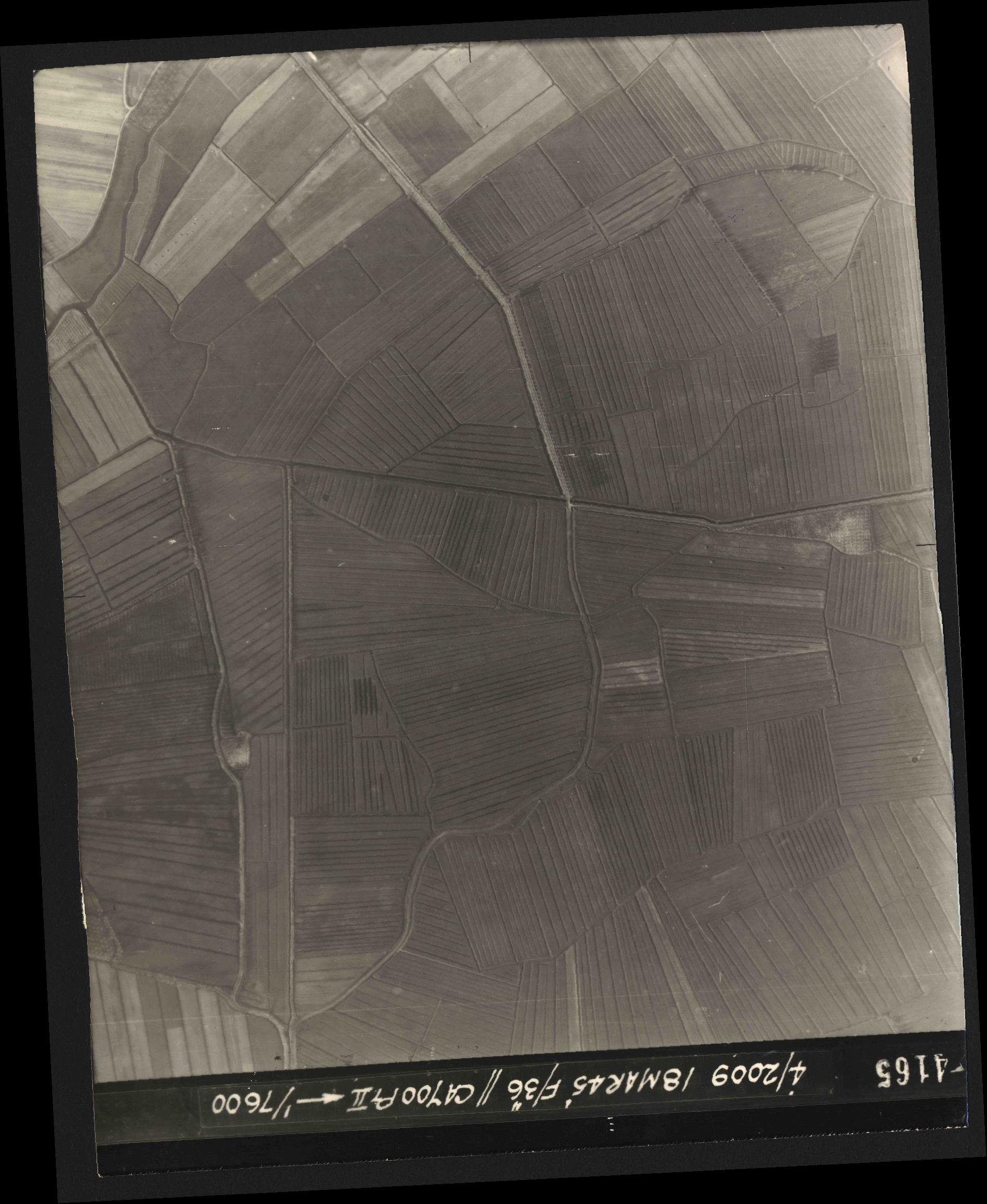Collection RAF aerial photos 1940-1945 - flight 017, run 10, photo 4165