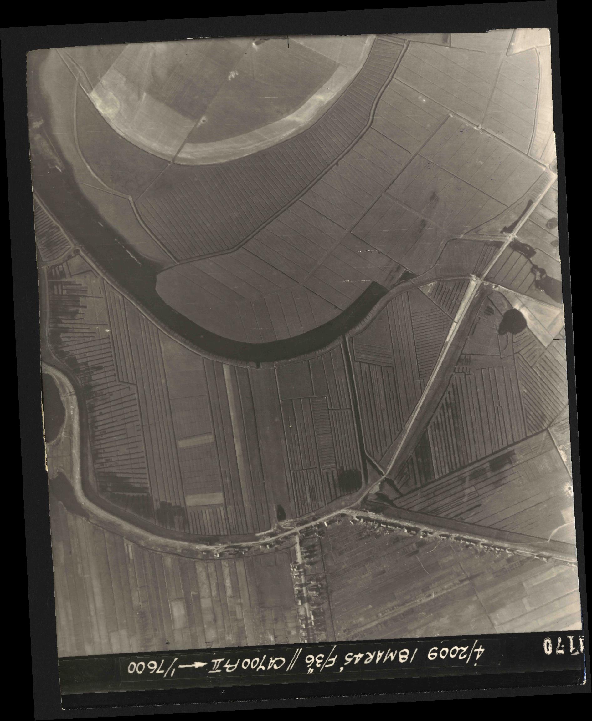 Collection RAF aerial photos 1940-1945 - flight 017, run 10, photo 4170