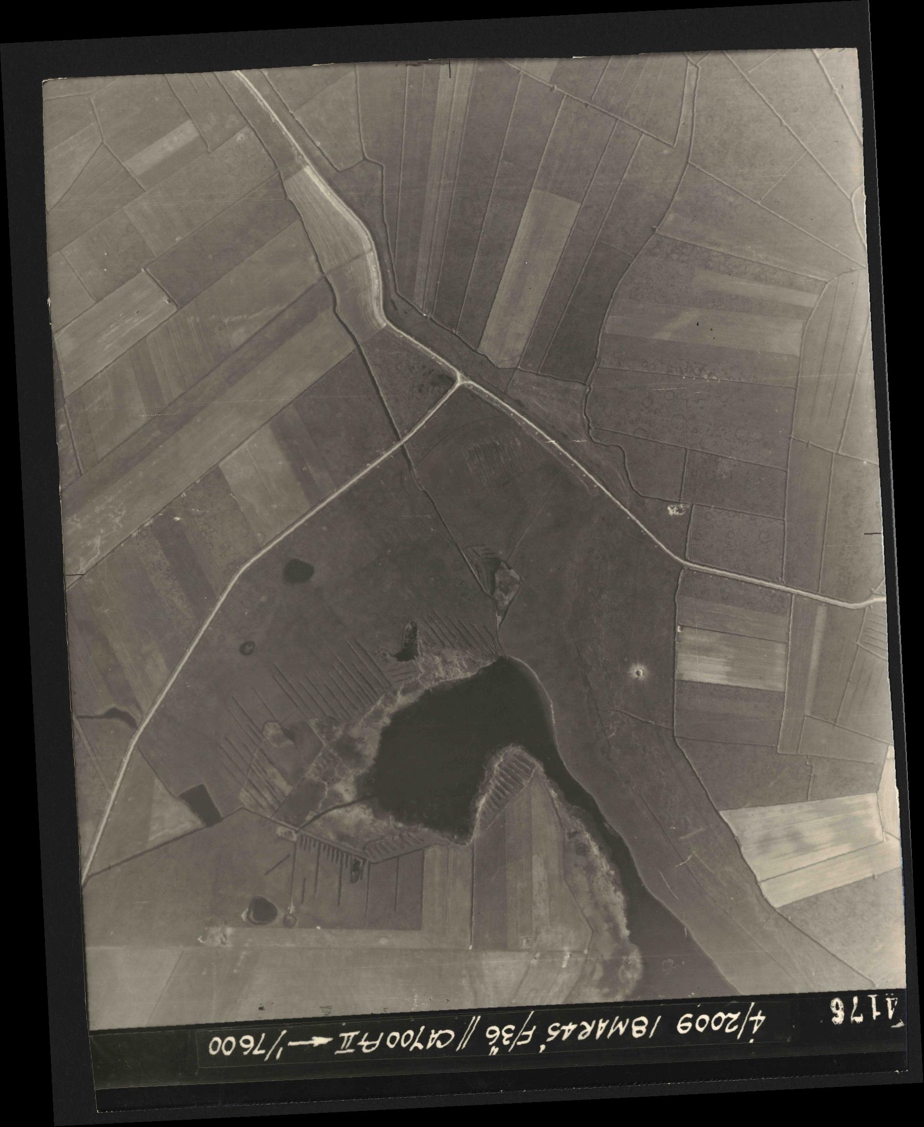 Collection RAF aerial photos 1940-1945 - flight 017, run 10, photo 4176