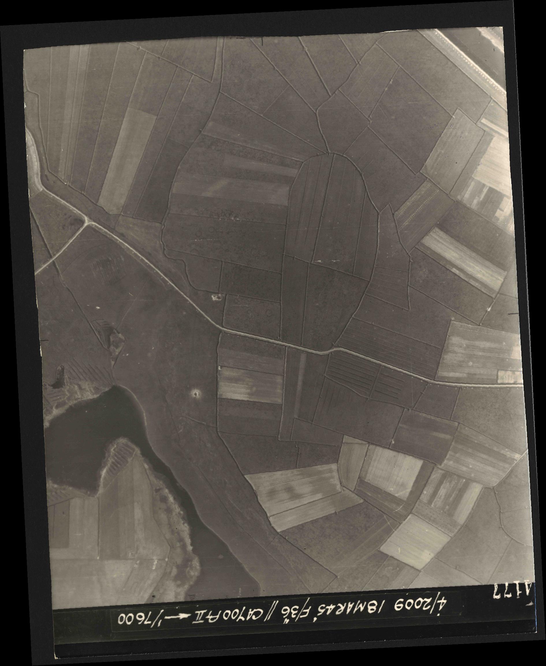 Collection RAF aerial photos 1940-1945 - flight 017, run 10, photo 4177