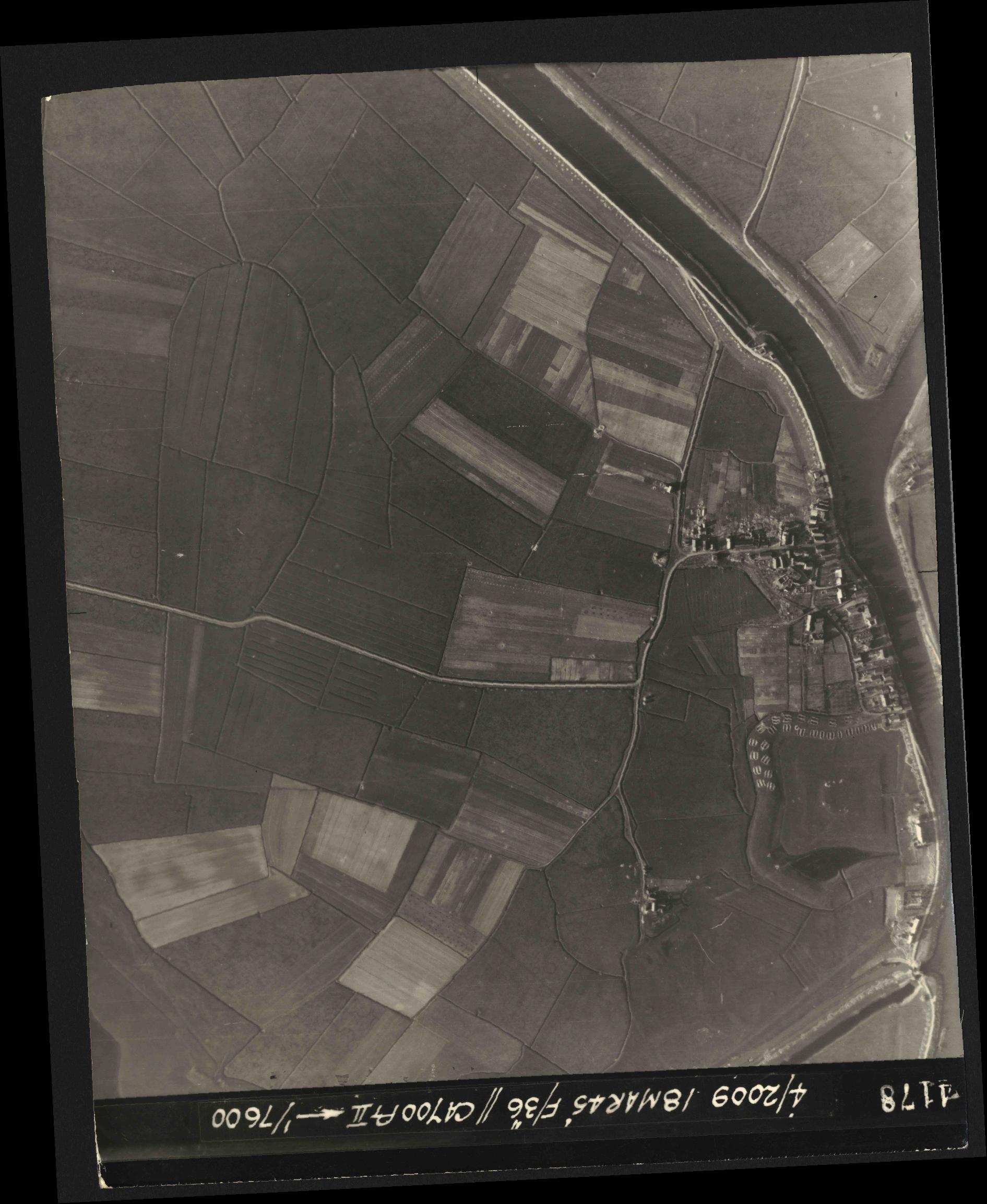 Collection RAF aerial photos 1940-1945 - flight 017, run 10, photo 4178