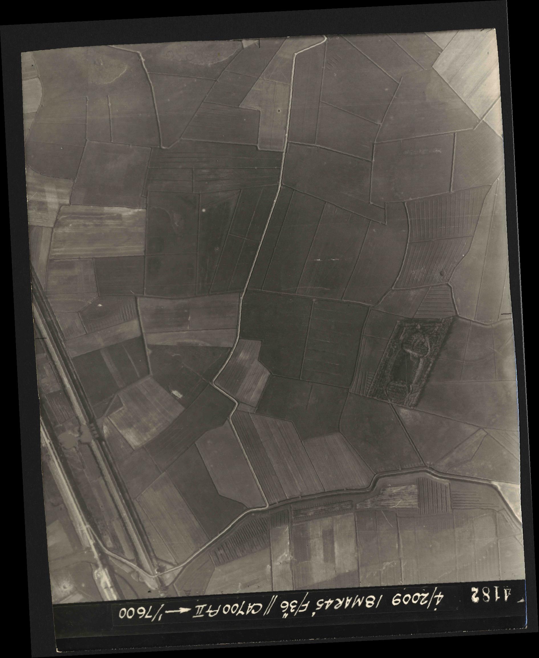 Collection RAF aerial photos 1940-1945 - flight 017, run 10, photo 4182