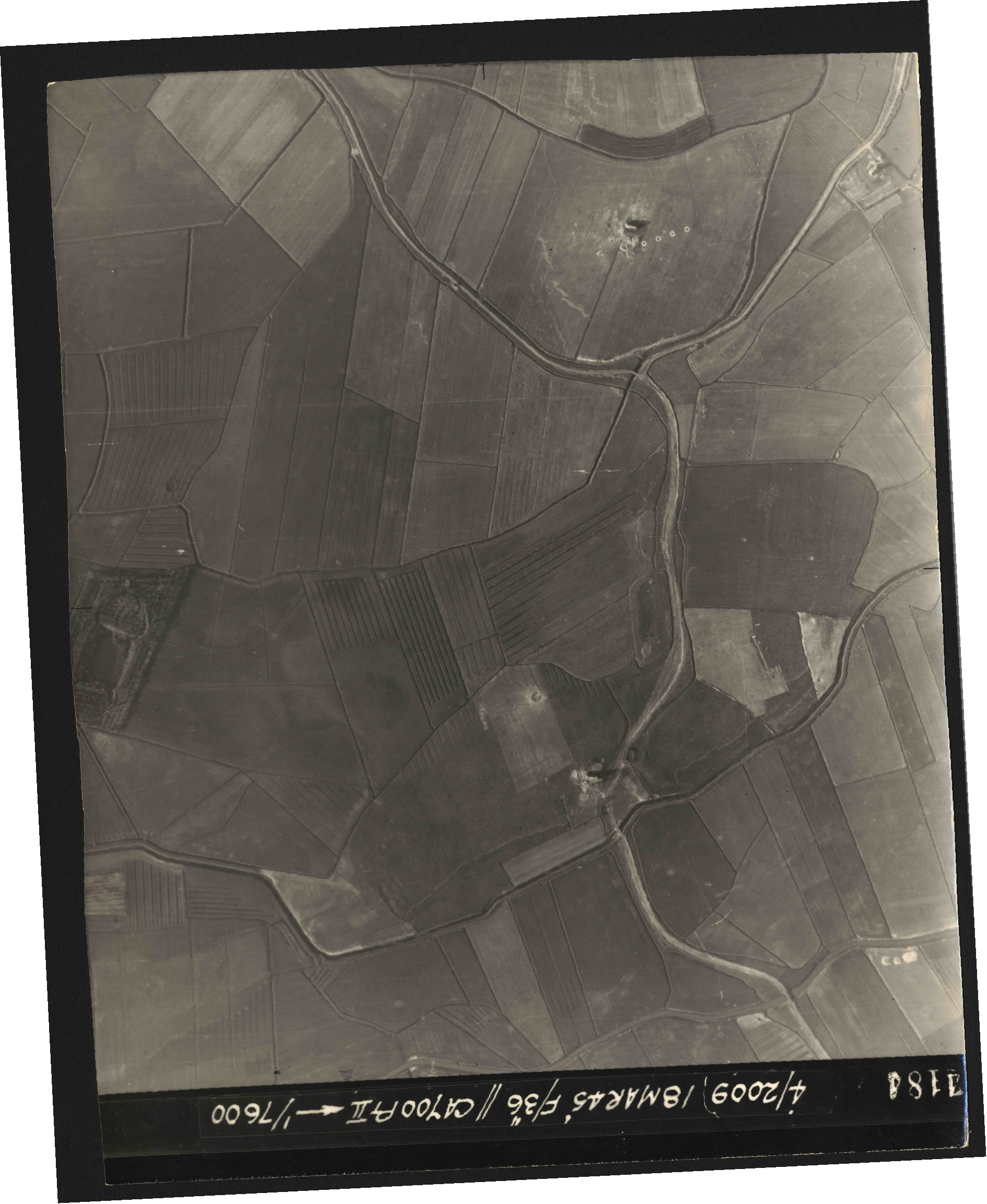 Collection RAF aerial photos 1940-1945 - flight 017, run 10, photo 4184